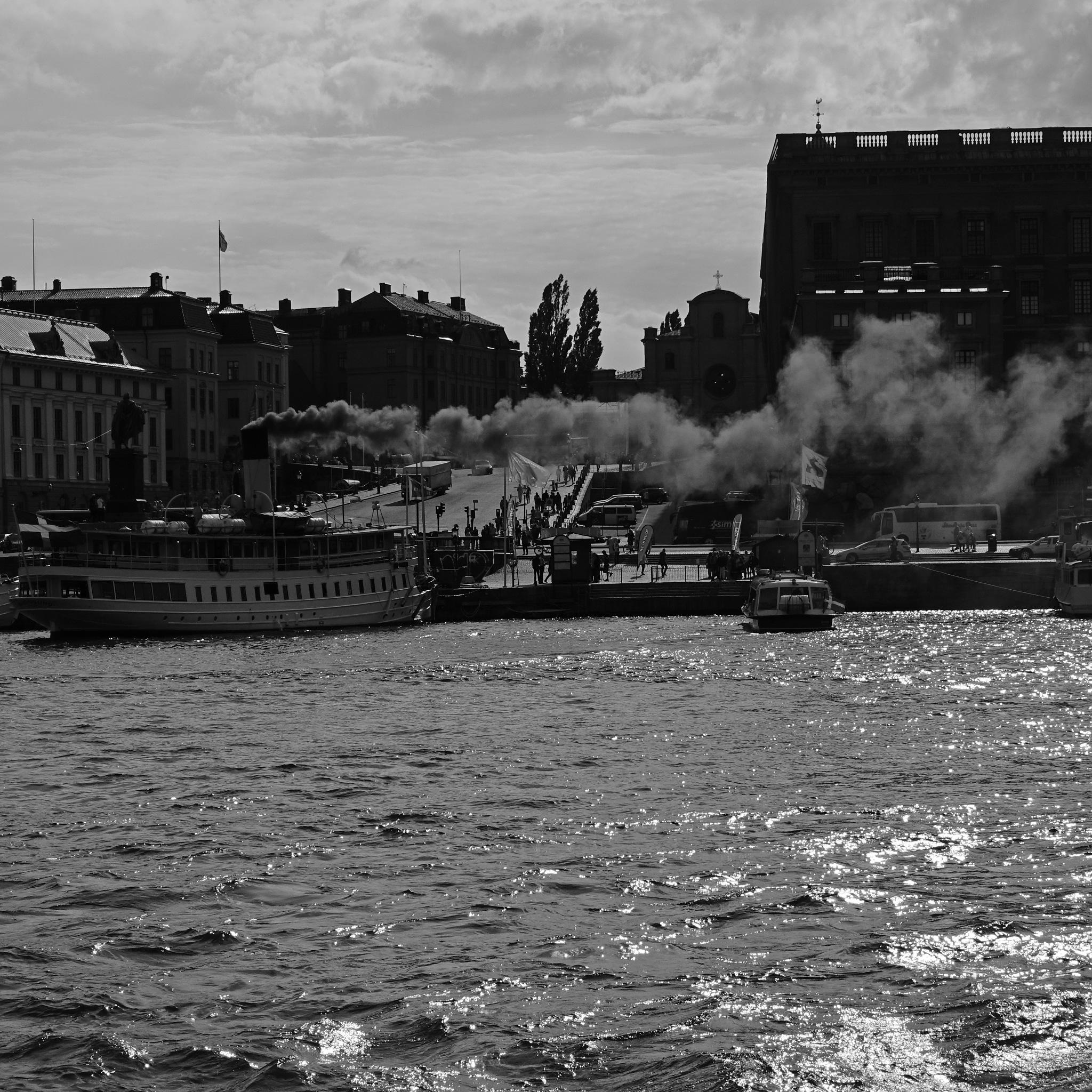 Smoke by Bo G Svensson