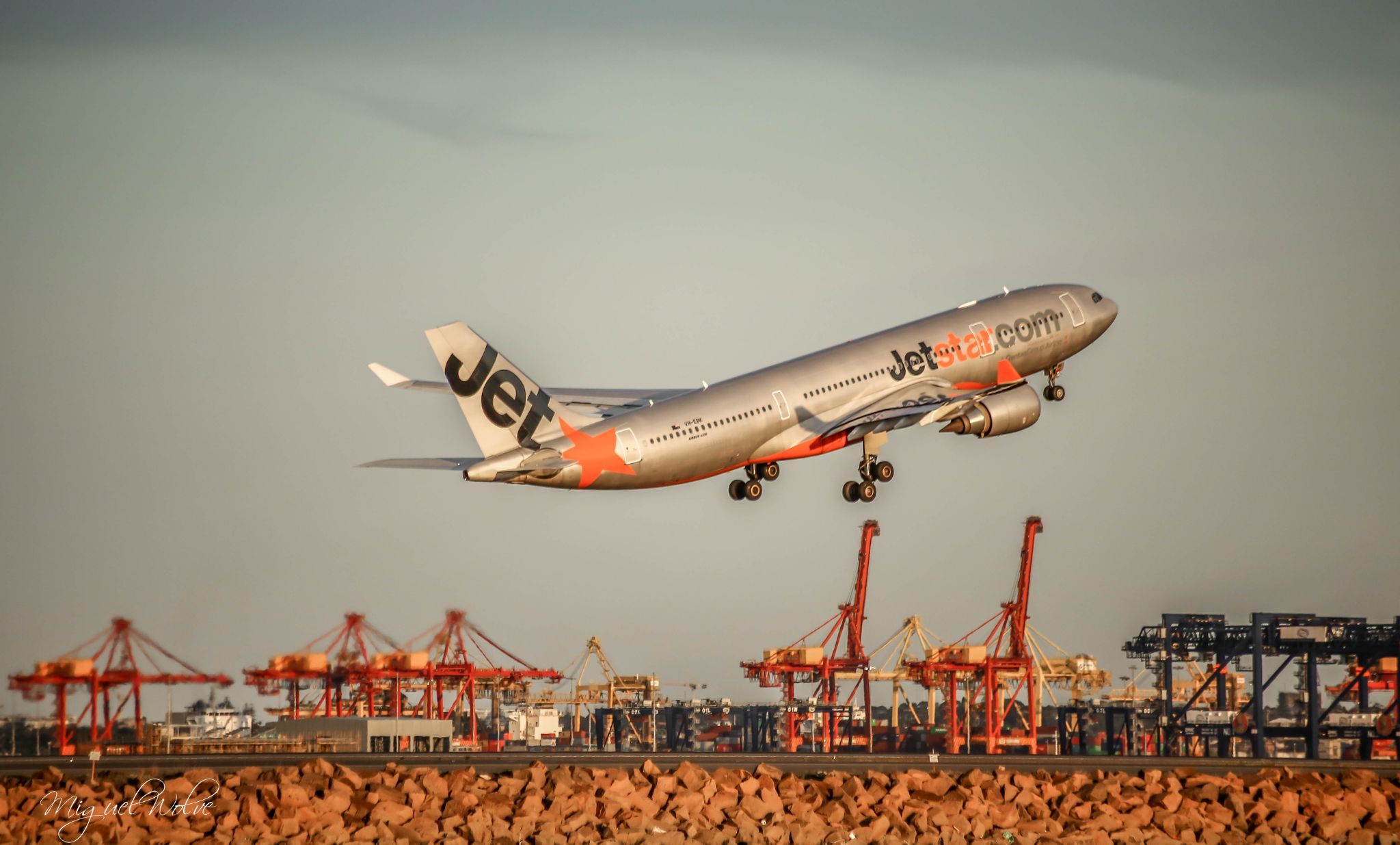 Jetstar  by miguelwolve