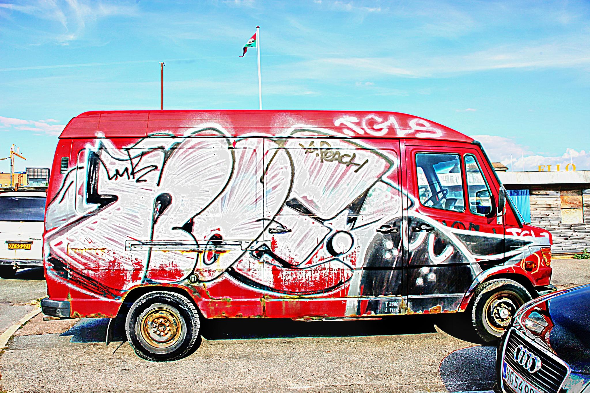 Bus by kulefe31