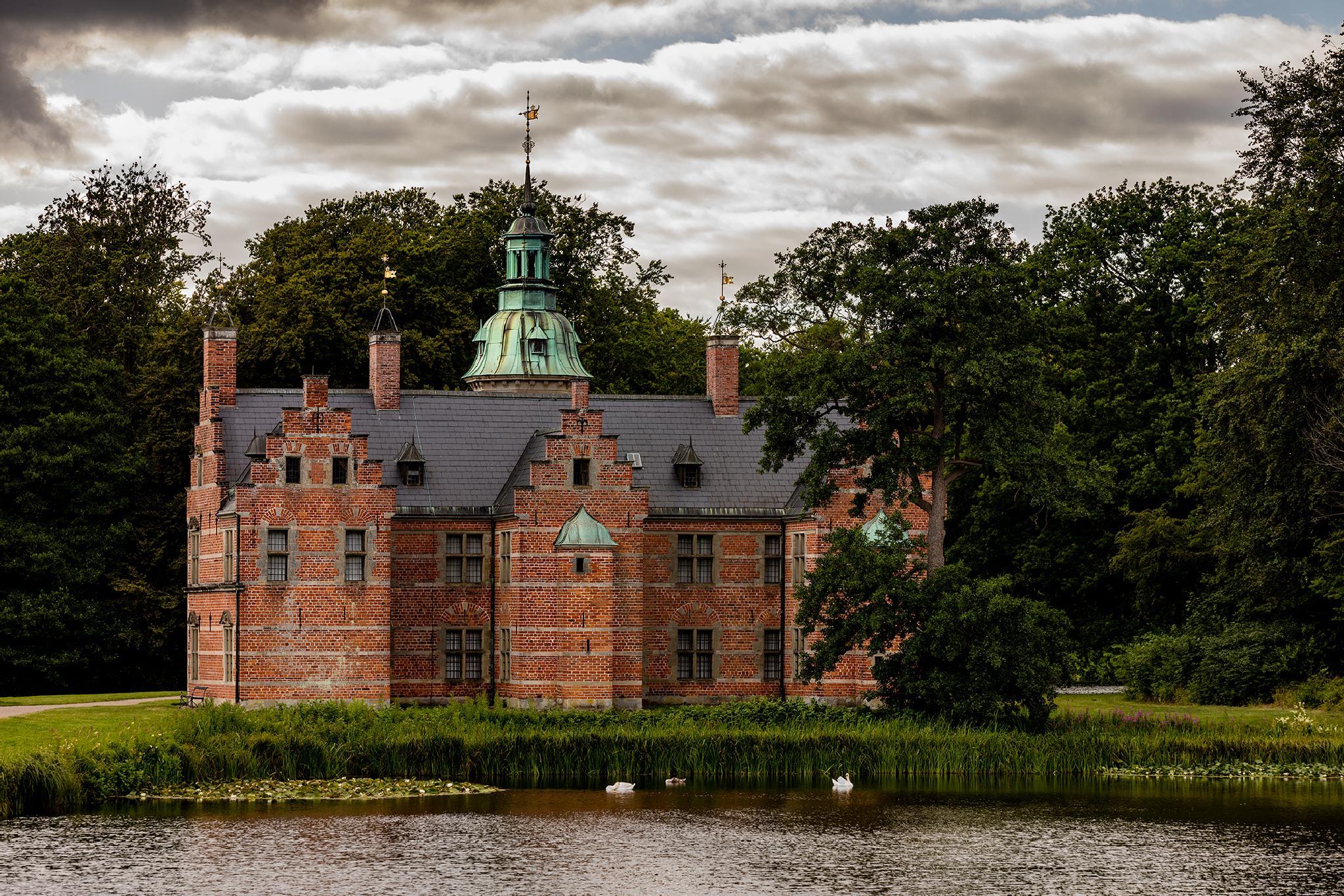 The Bath House of King Frederik II of Denmark by Ruben Blaedel