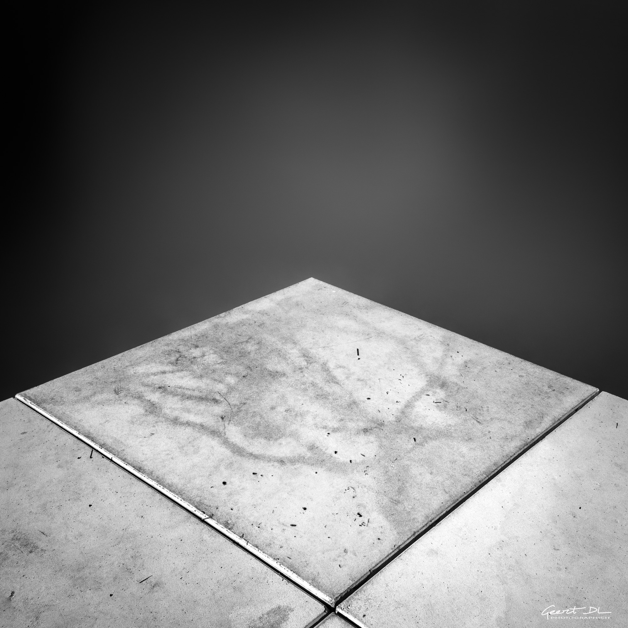 square in square by GeertDoutreligne