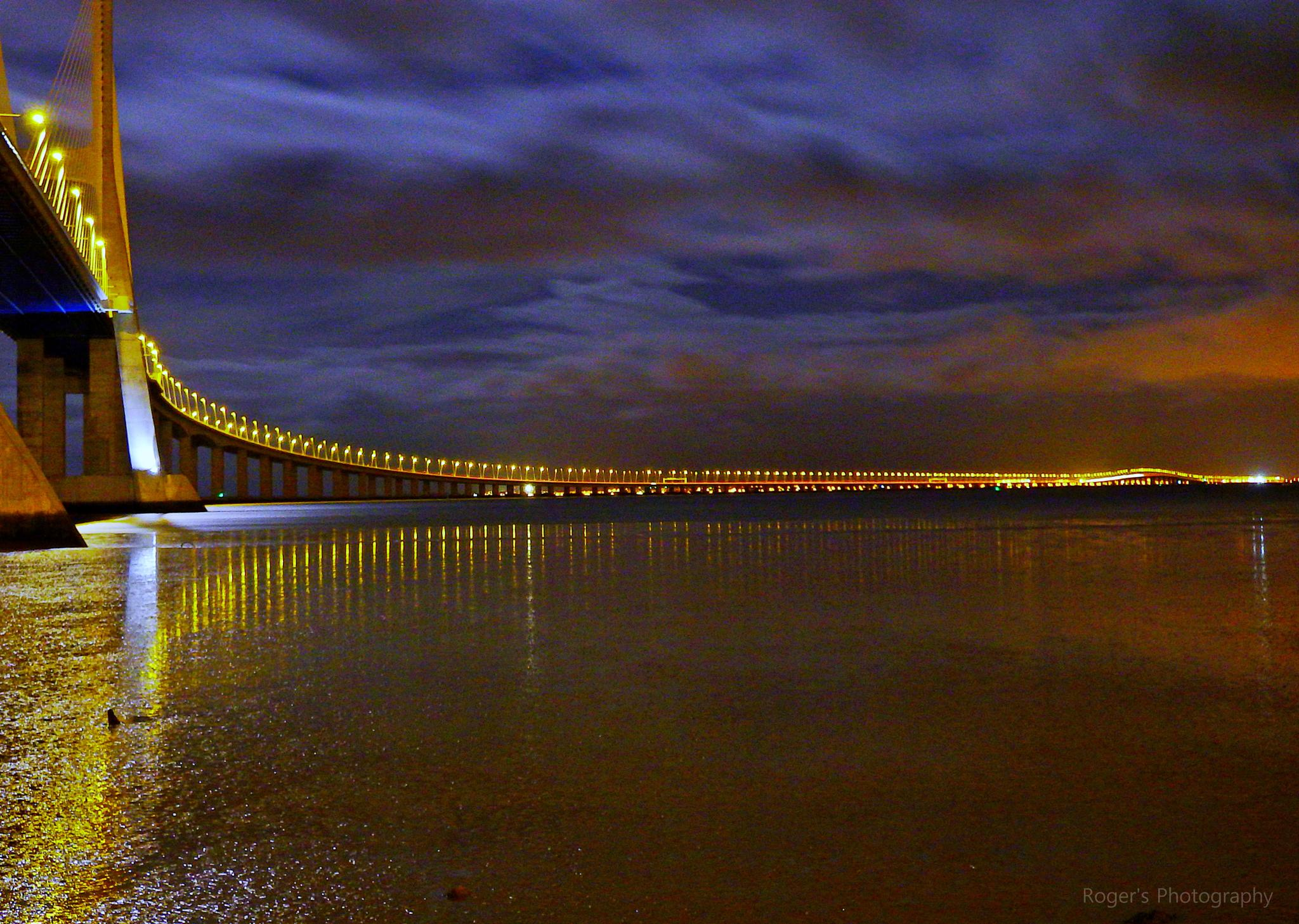 Ponte Vasco da Gama by Roger Photography