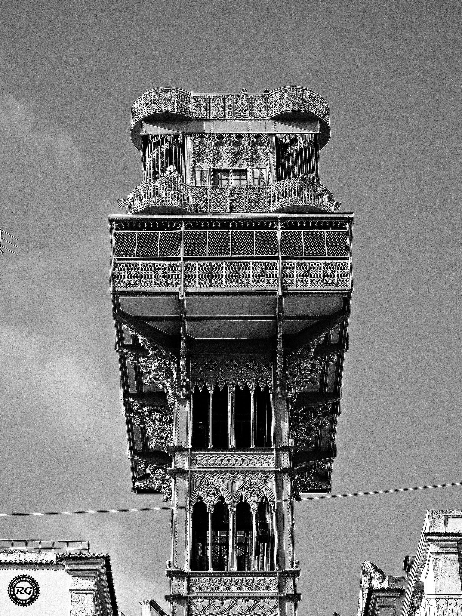 Elevador de Santa Justa by Roger Photography