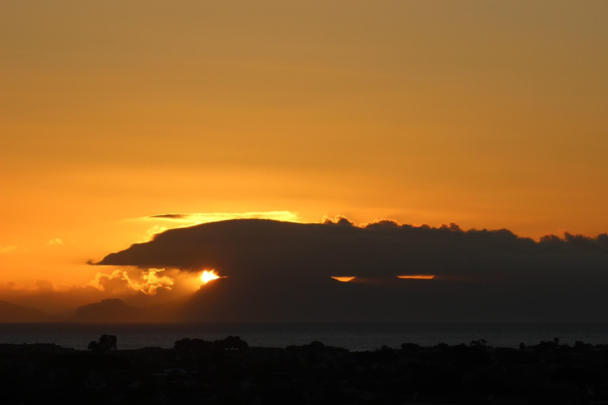 SUNSET by Zorana Zee Grobbelaar
