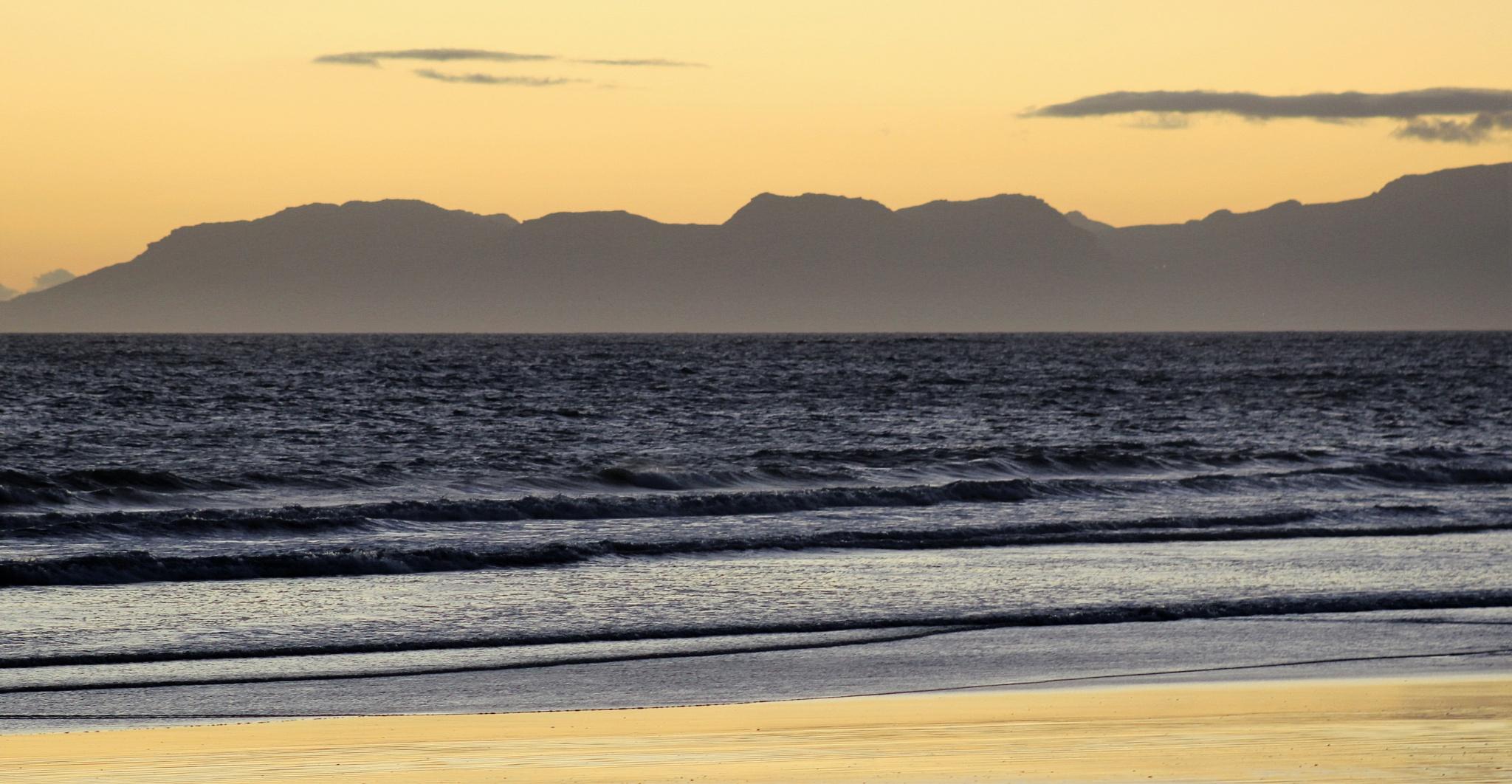 TABLEMOUNTAIN SOUTH AFRICA  by Zorana Zee Grobbelaar