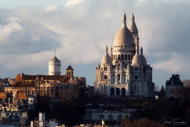 Basilique du Sacré-Coeur de Montmartre, Paris by Julien FROMENTIN