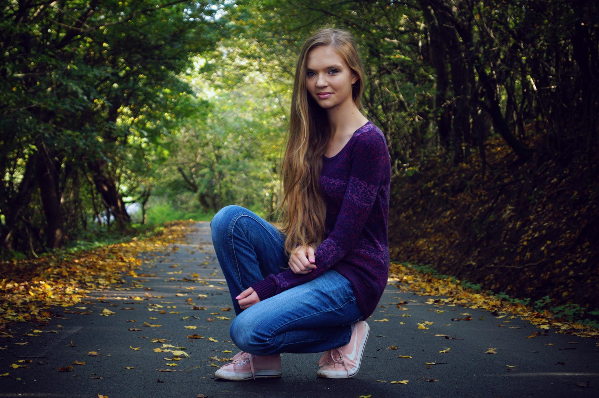 Autumn by Nina Kvaltinová
