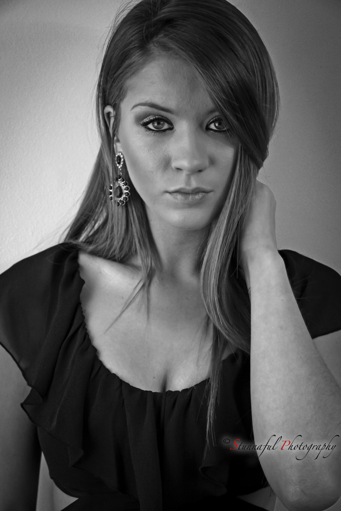 Meredith's portrait by Stunnaful Photography