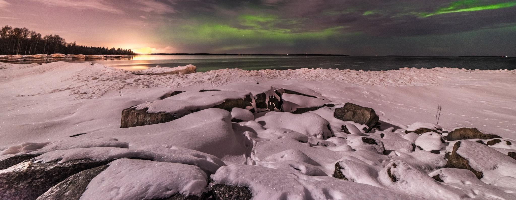 Aurora and Clouds  by Niclaskrog