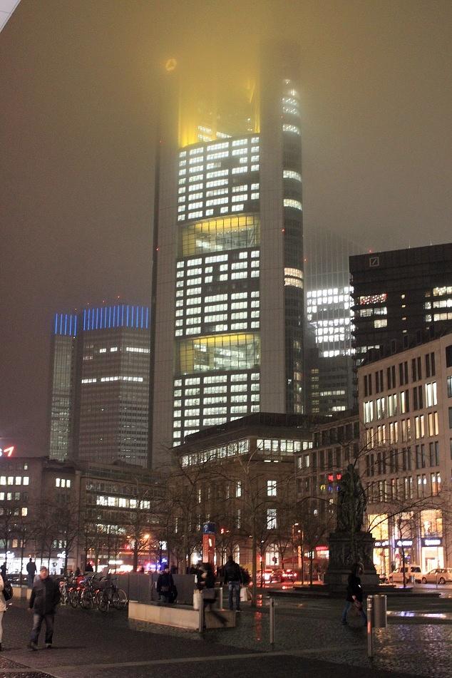 Frankfurt in Fog! by malekzadeh1384
