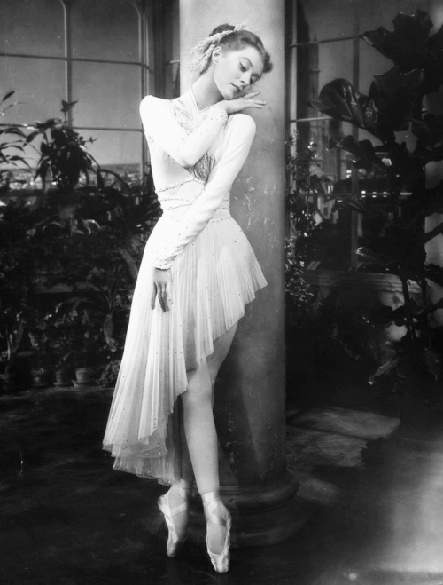 Moira Shearer, 1953, publicity photo for The Story of Three Loves by sofiazoubery
