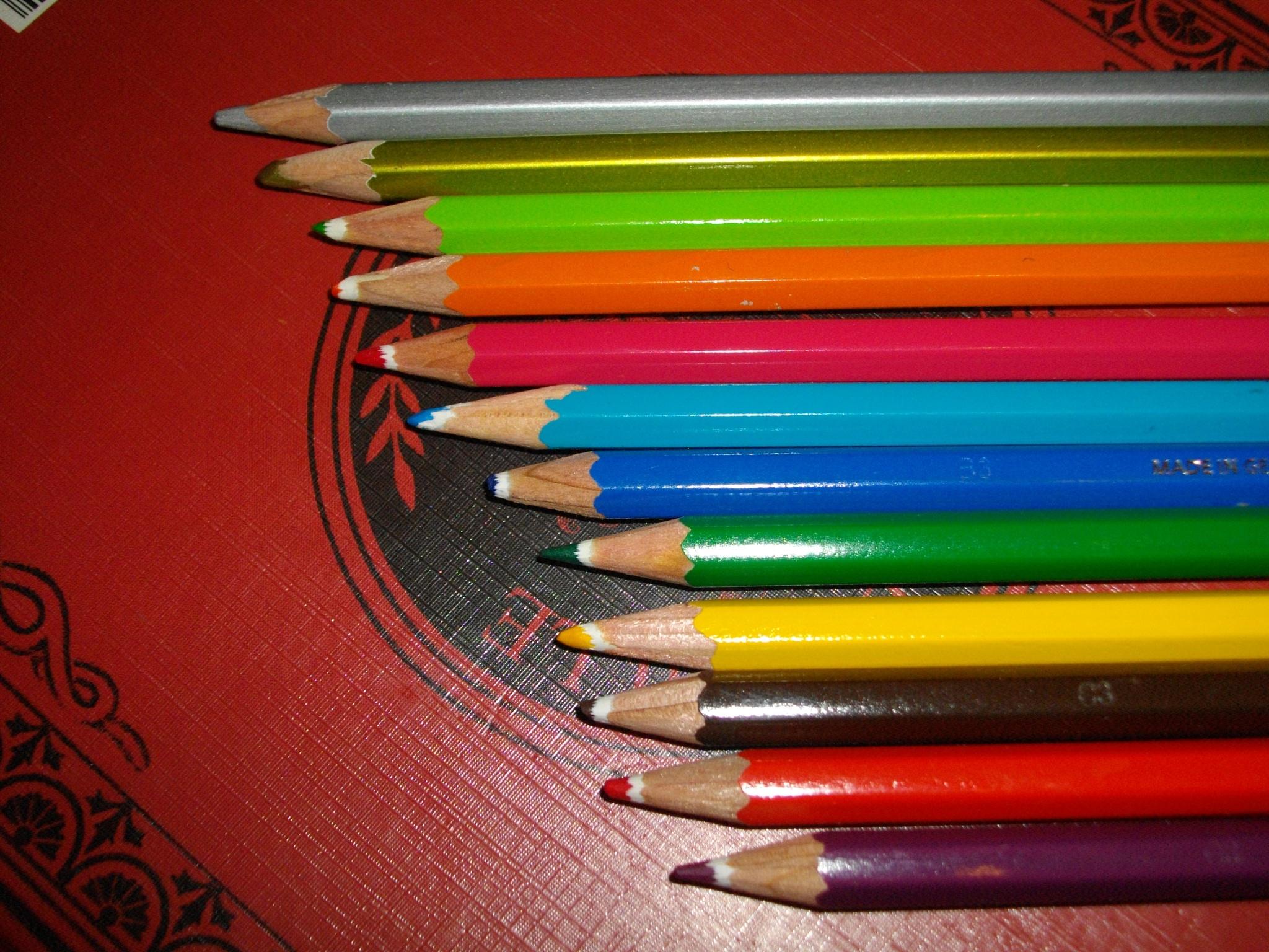crayons de couleurs by twiixkiinder
