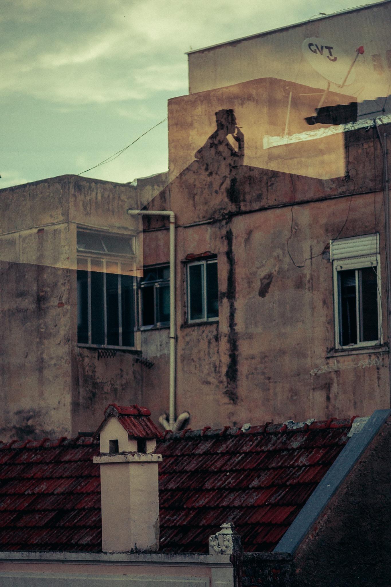 silhueta na janela by Pedro Antonio Heinrich