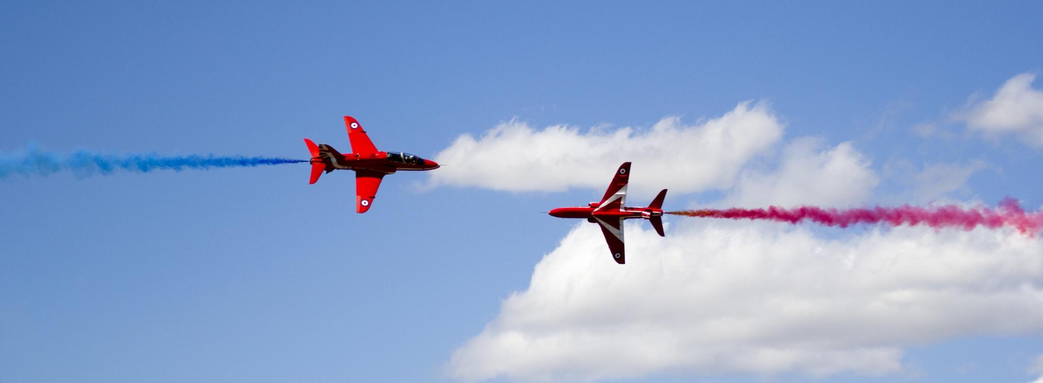 Red Arrows by X3ndar