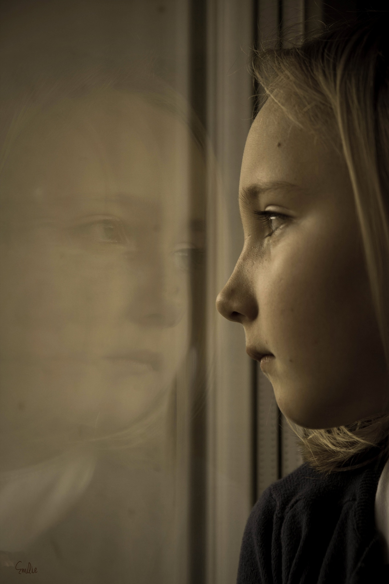 la fille à la fenêtre by EmilyBy