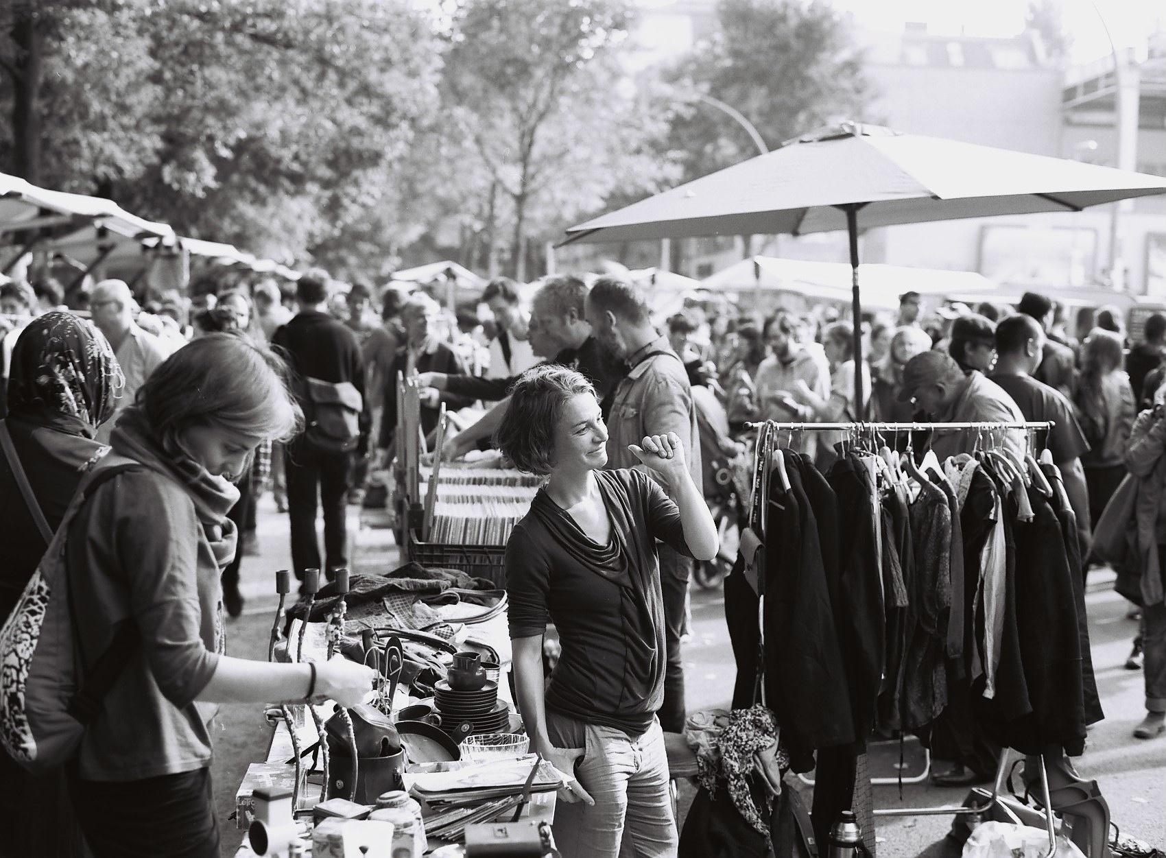 Trödelmarkt Berlin Neuköln by alfrededgar