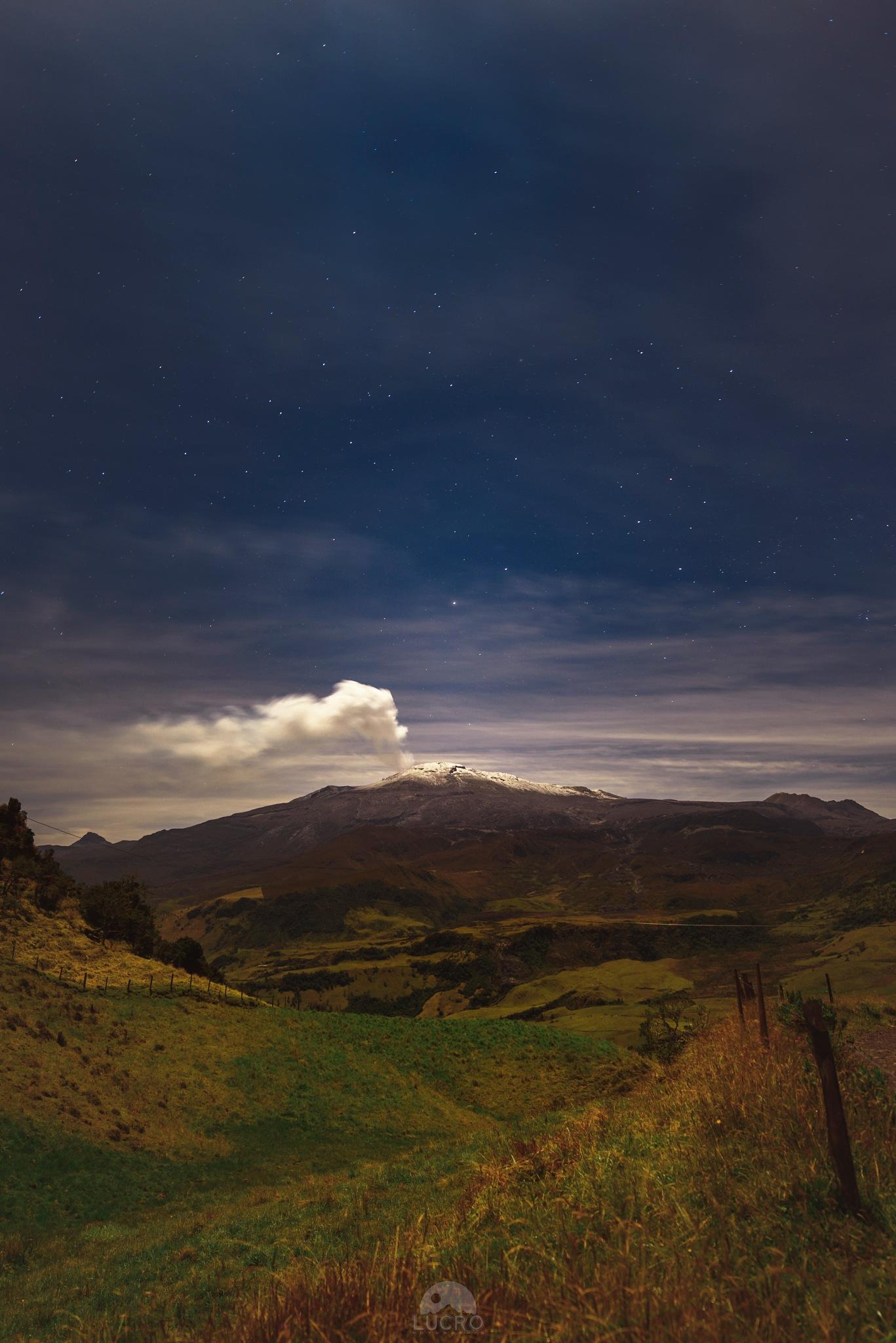 Volcano by LucroFotografia