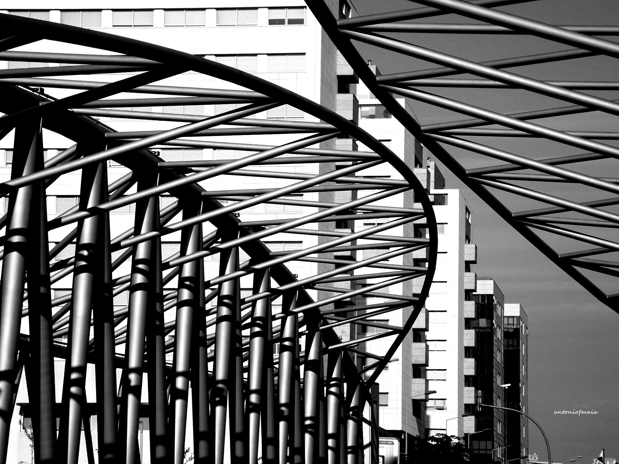 Geometries in the city... by Antonio F. Maia