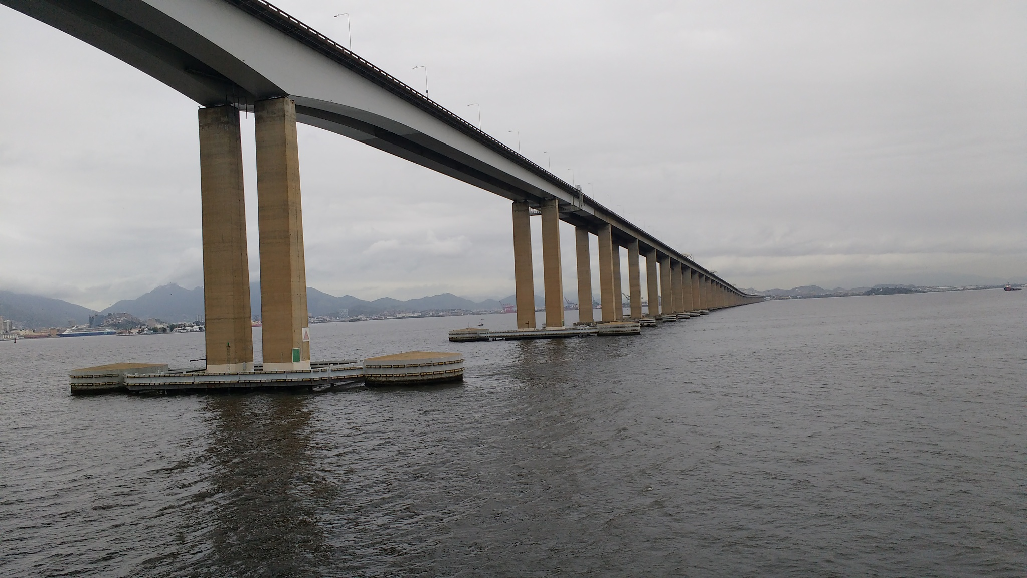 Ponte RioXNiterói, Brasil. by RenatoLimaChef