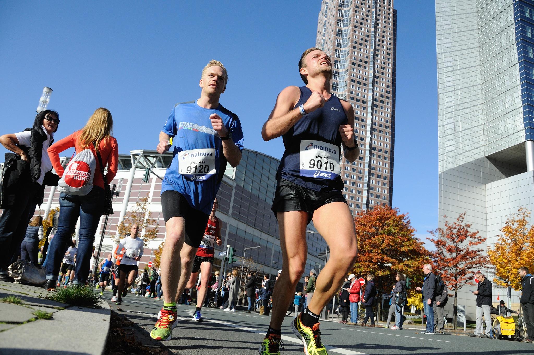 Frankfurt Marathon IV by Zdenek Krchak
