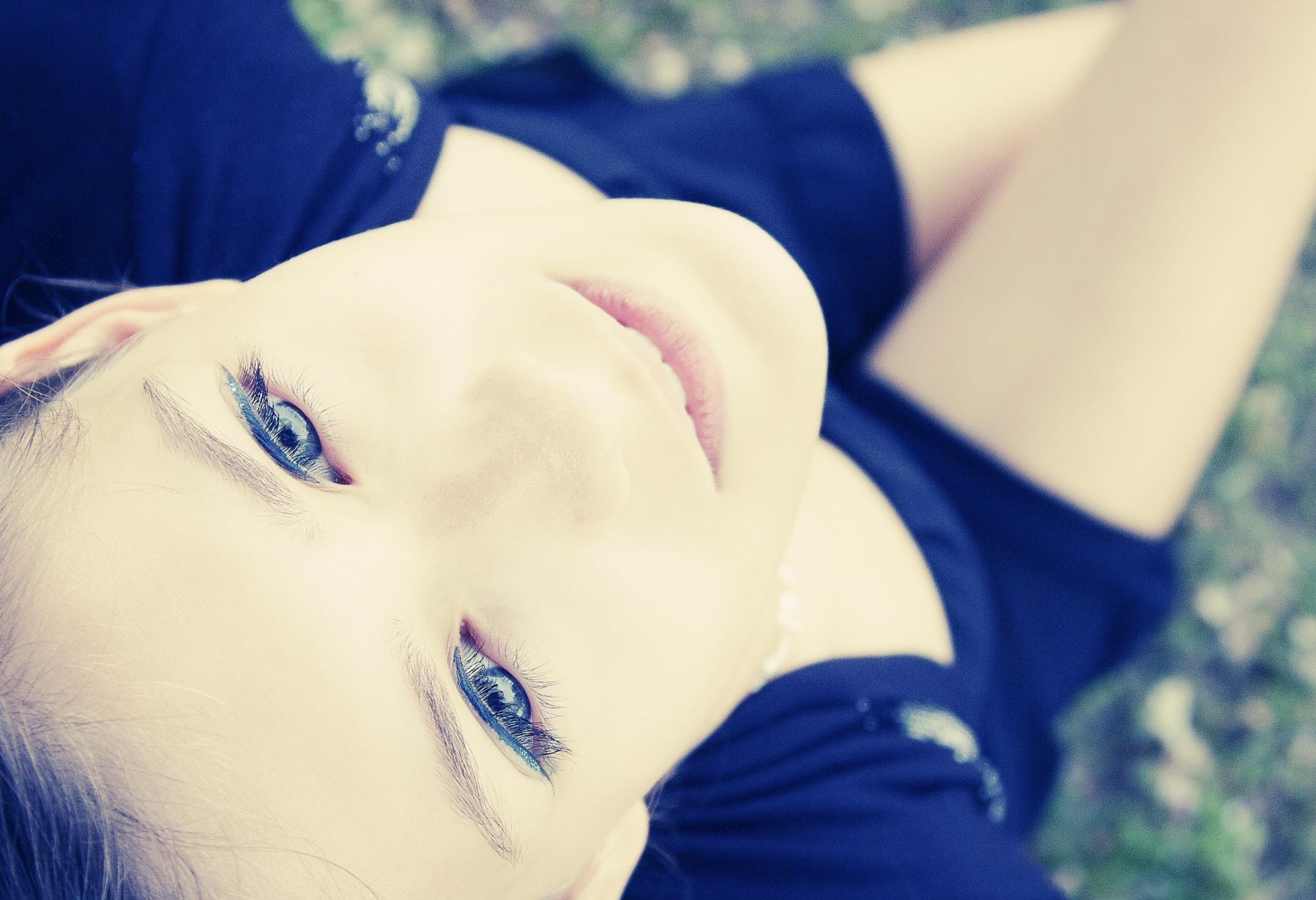 Photo in Portrait #beauty #teen #portrait #canon #people