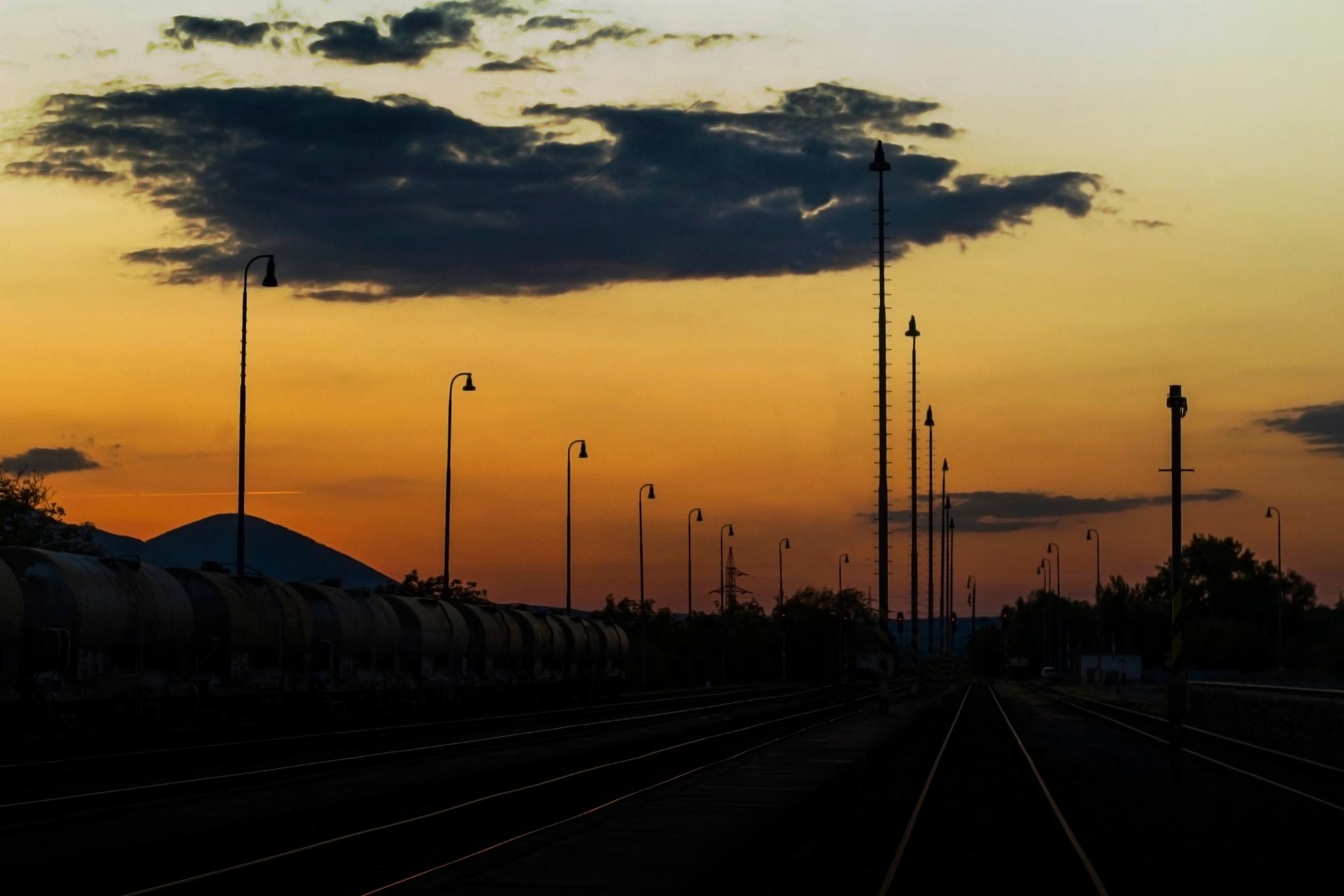 Sunset railstation VT by Daniel Tabaka