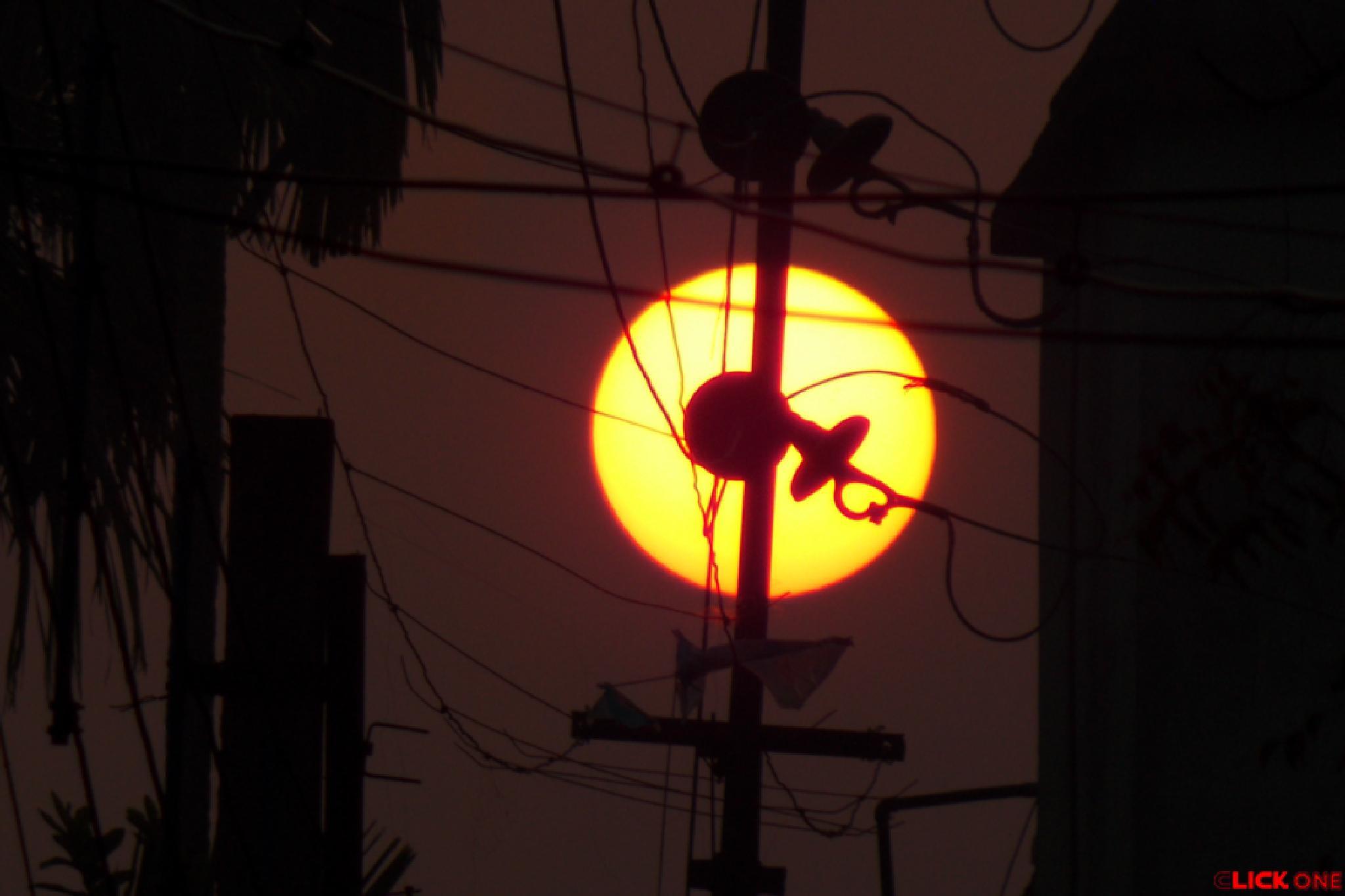 Sunrise: 6:53 AM. by Ăjȫy Ðhâŕ