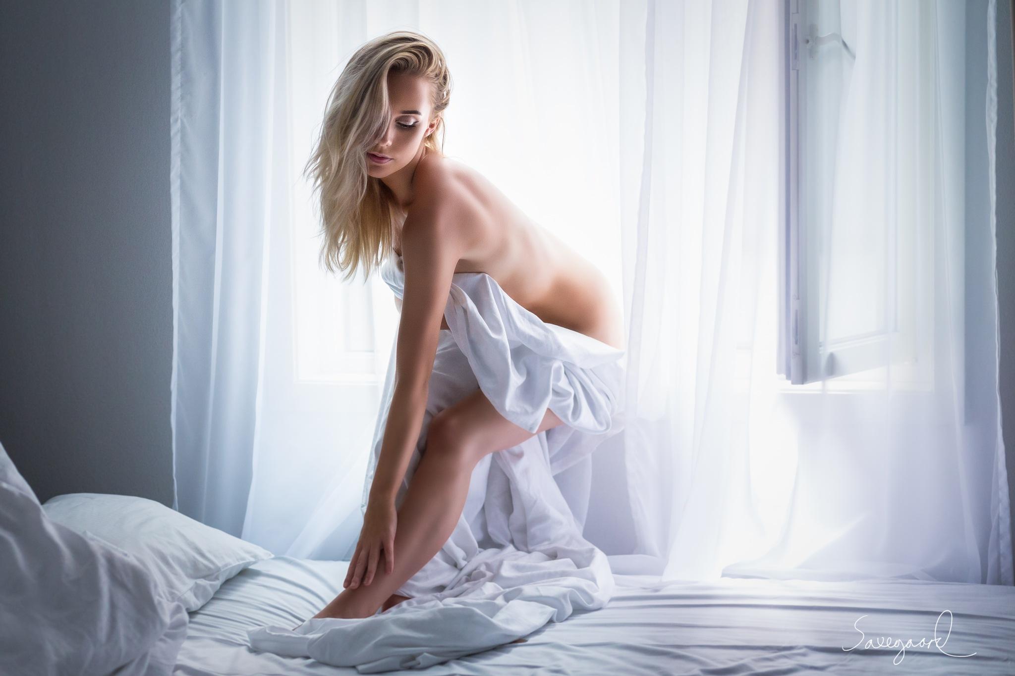 Hannah Aurora by Saxegaard Photography