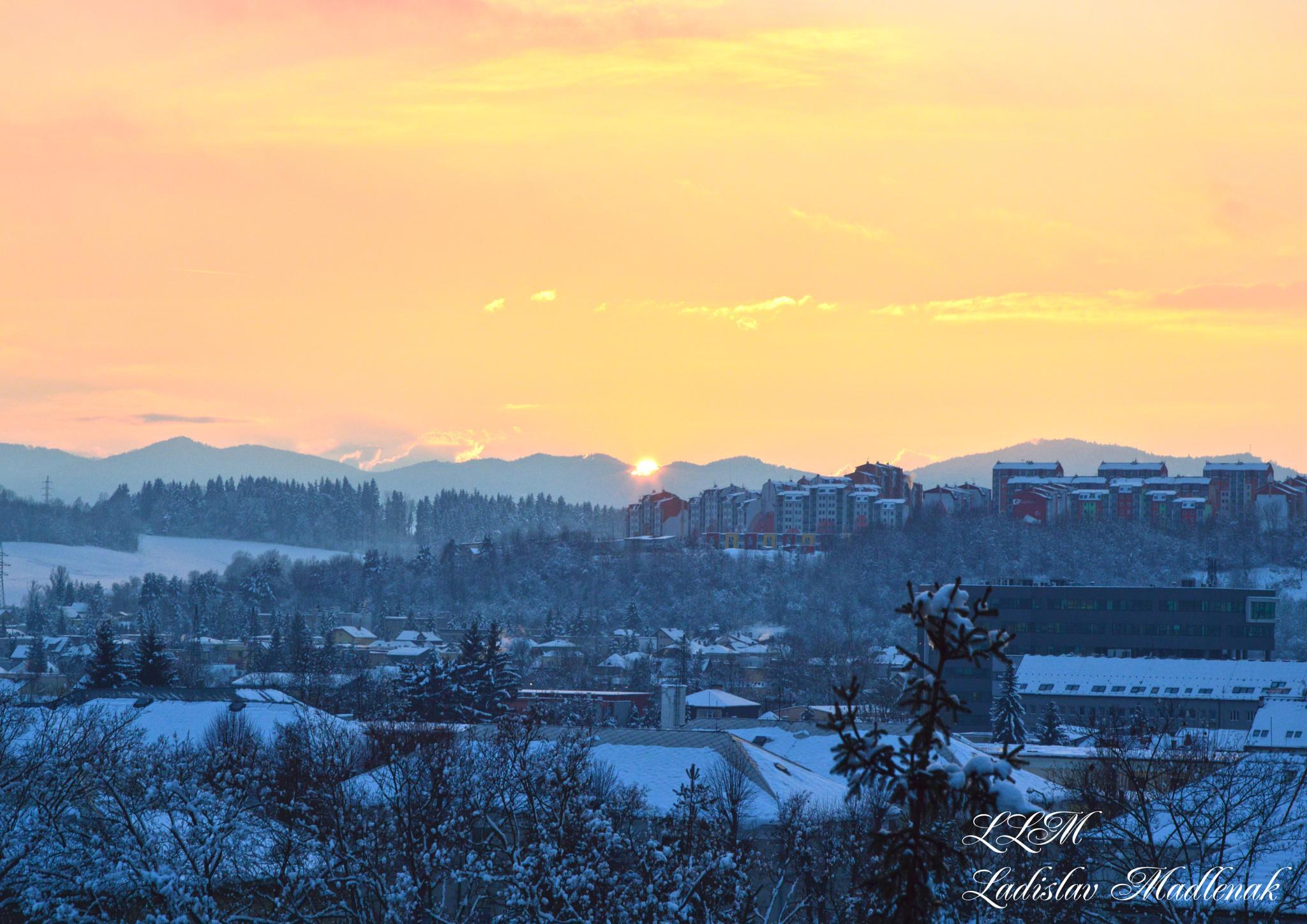 Sunset by LLadislav Madlenak