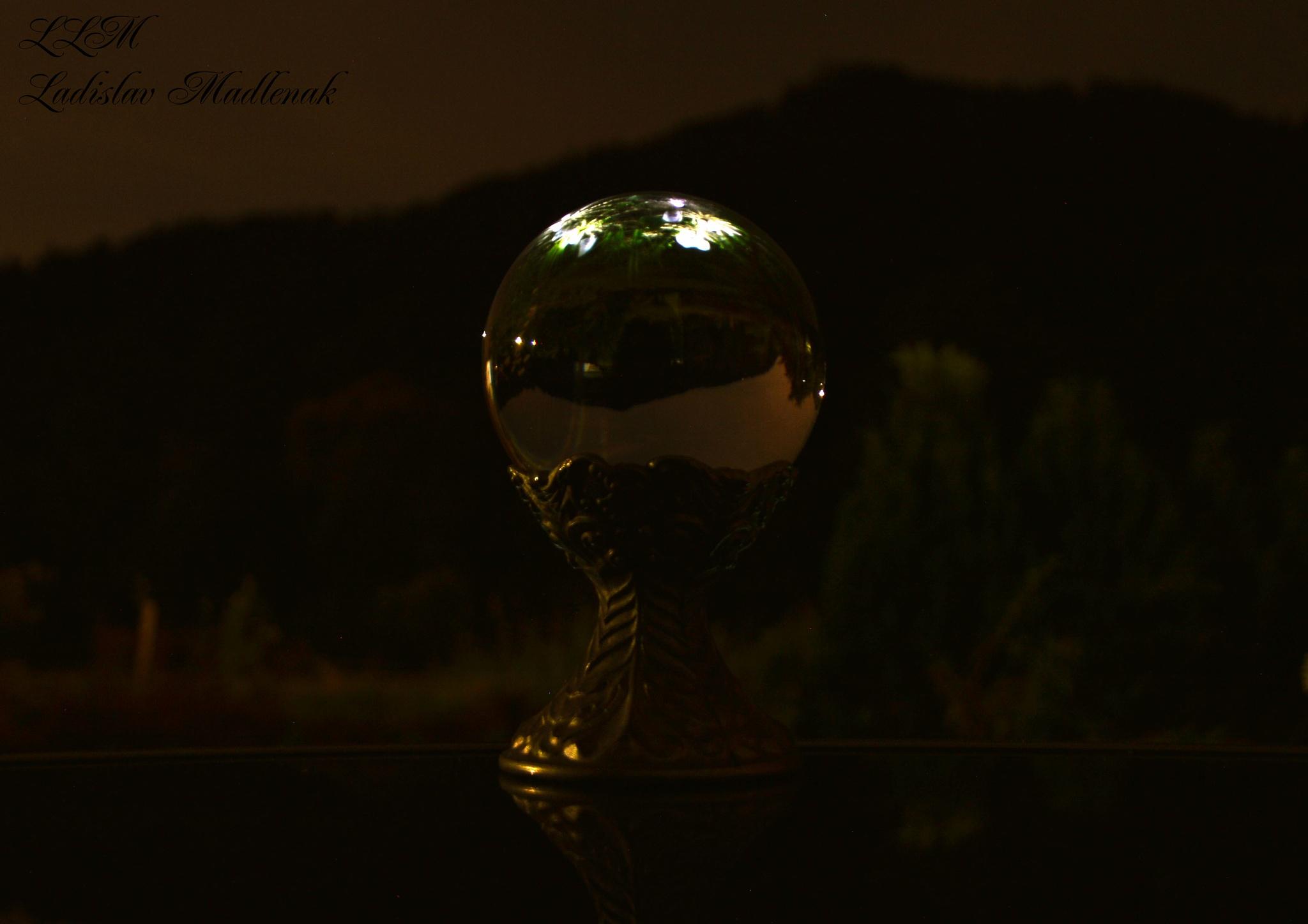 Midnight atmosphere by LLadislav Madlenak