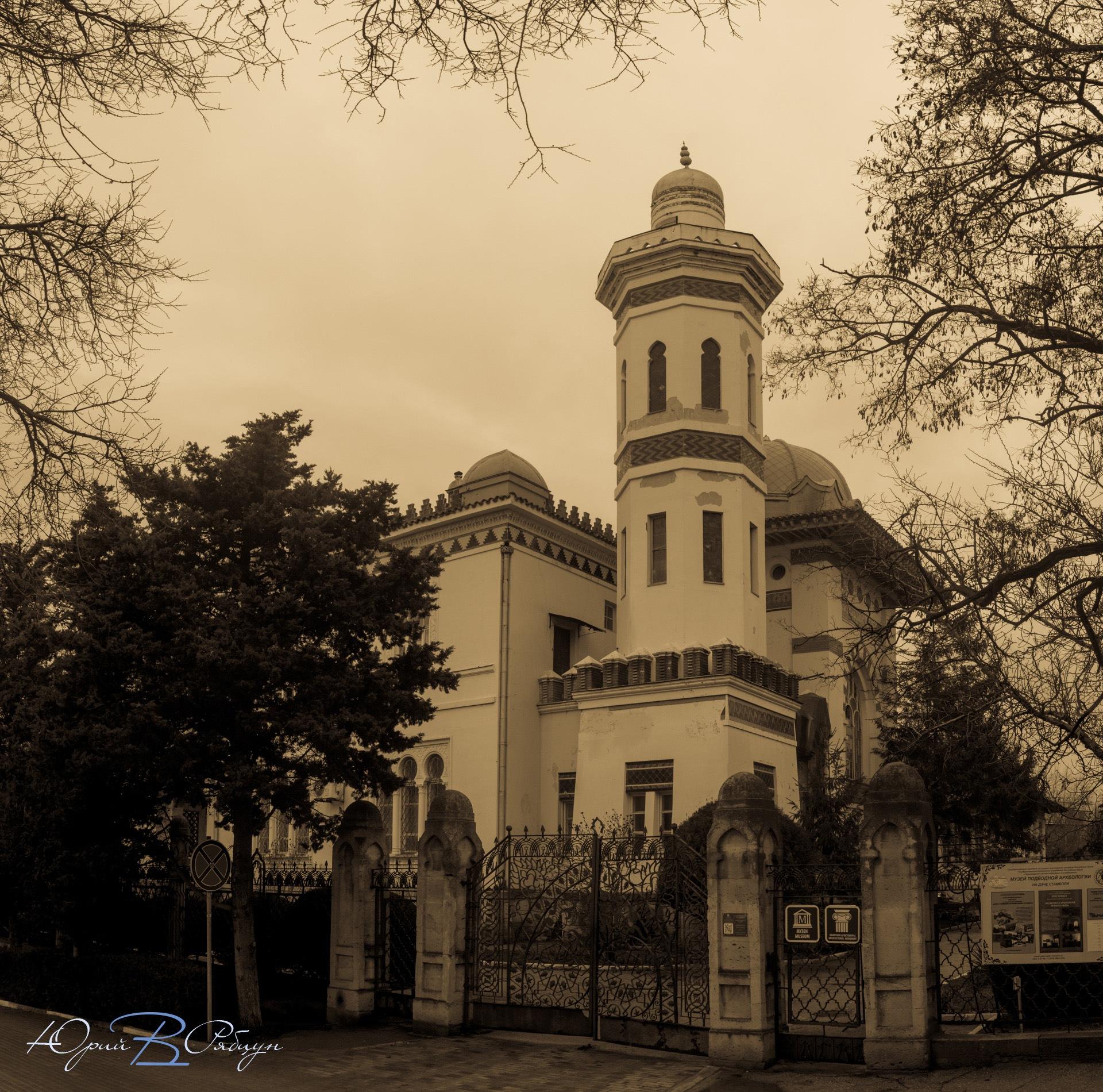 Villa Joseph Stamboli.  by egorsha