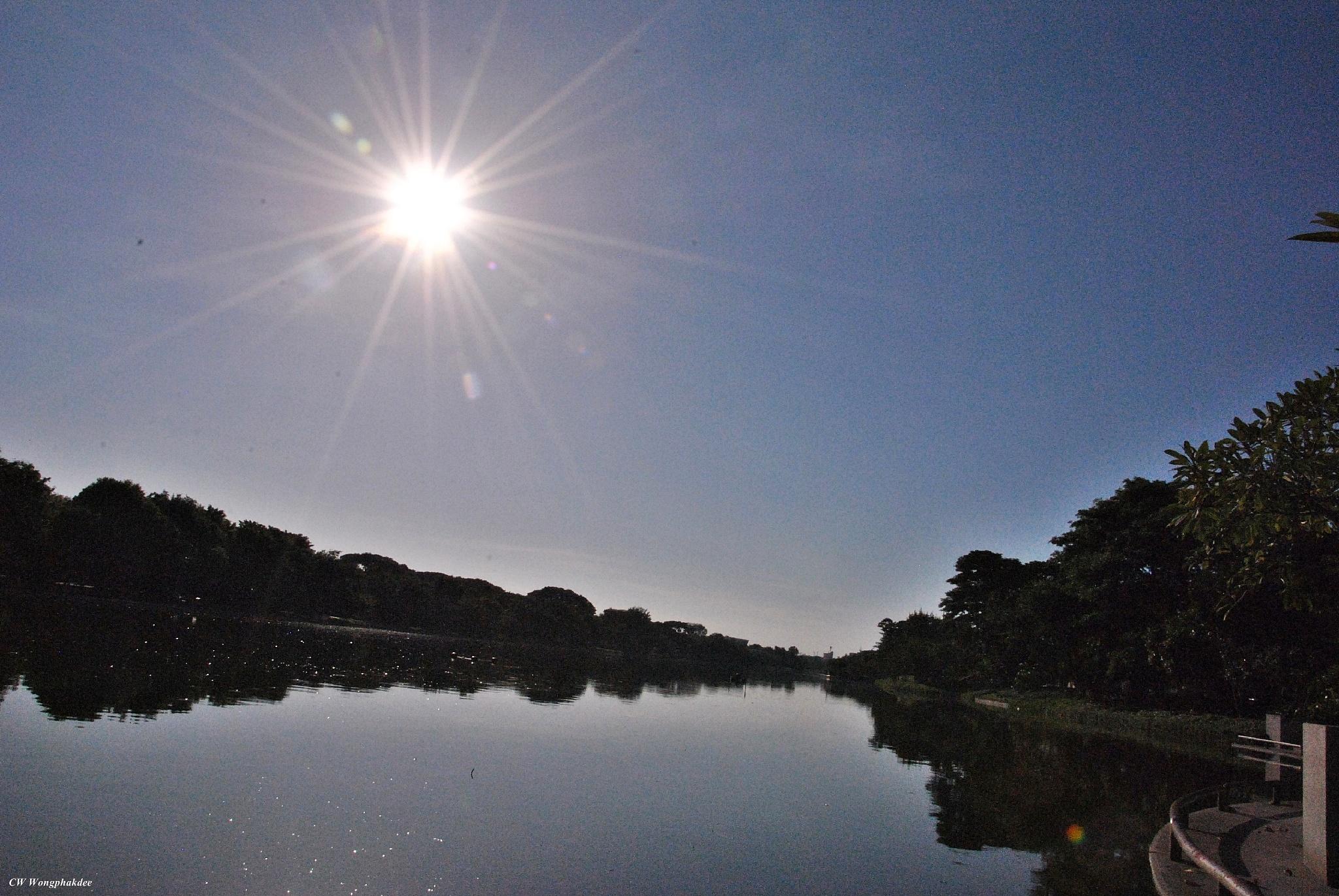 Sun by Wongphakdee