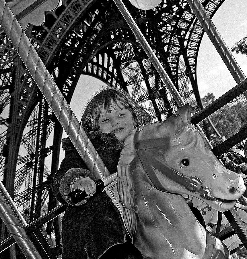 Paris. Autumn. by Malcolm White