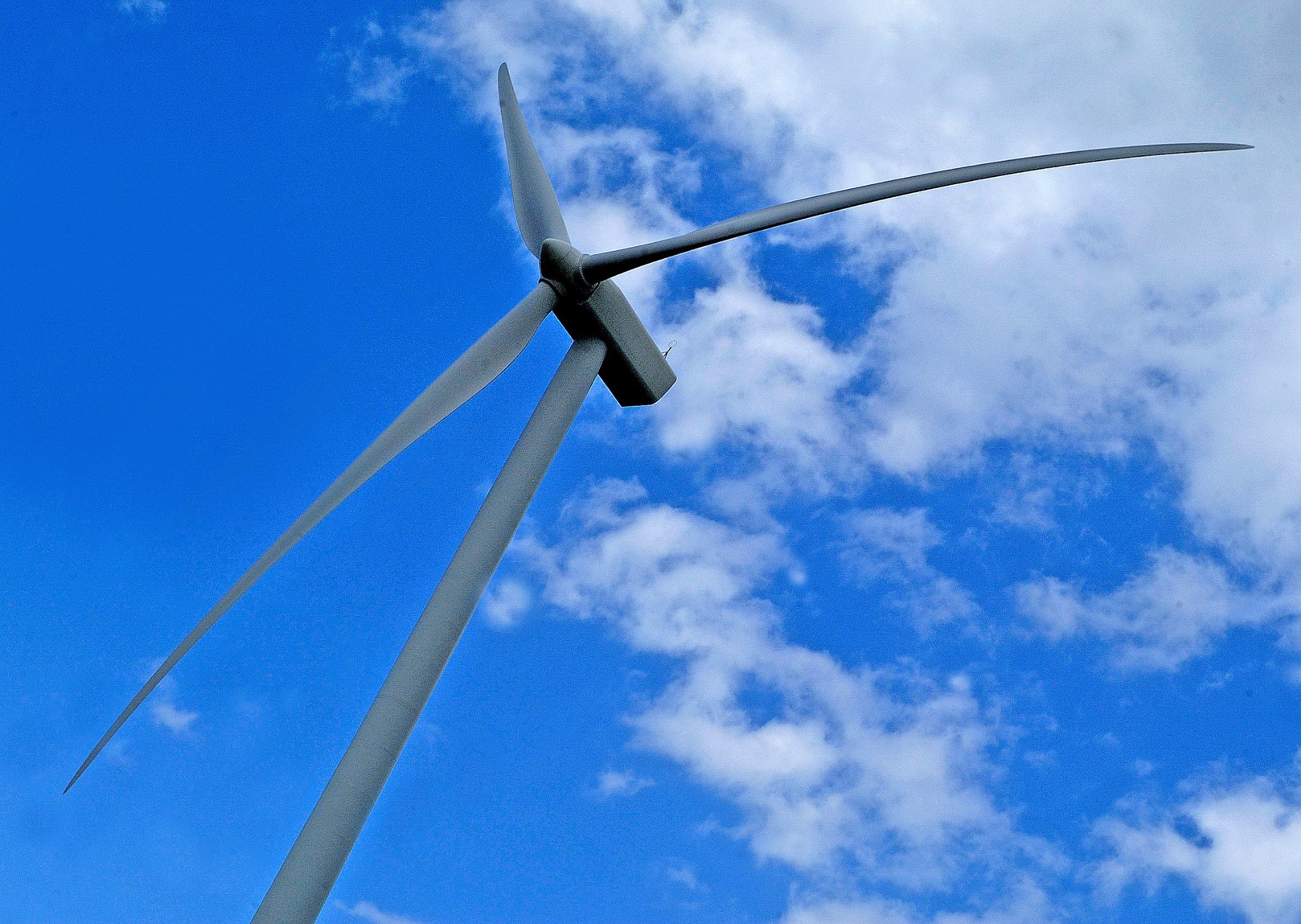Between Mayenne and Ceauce wind turbine by Malcolm White