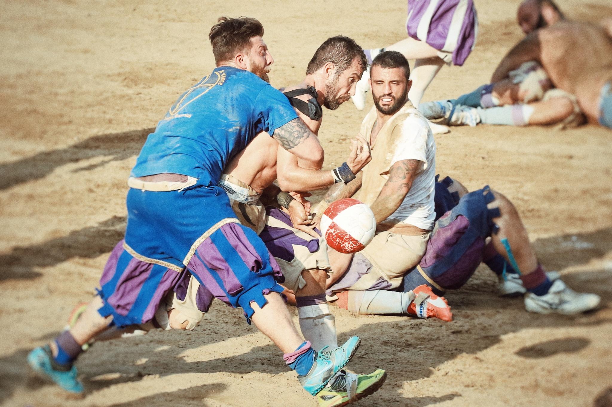 Calcio storico fiorentino finale bianchi vs azzurri by Giusi
