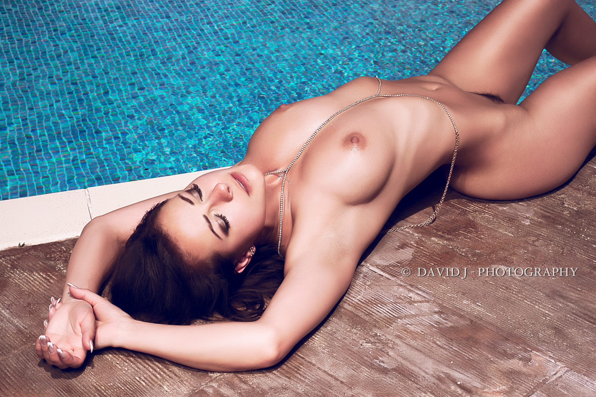 Melisa Mendini: Pool by DavidJorissen
