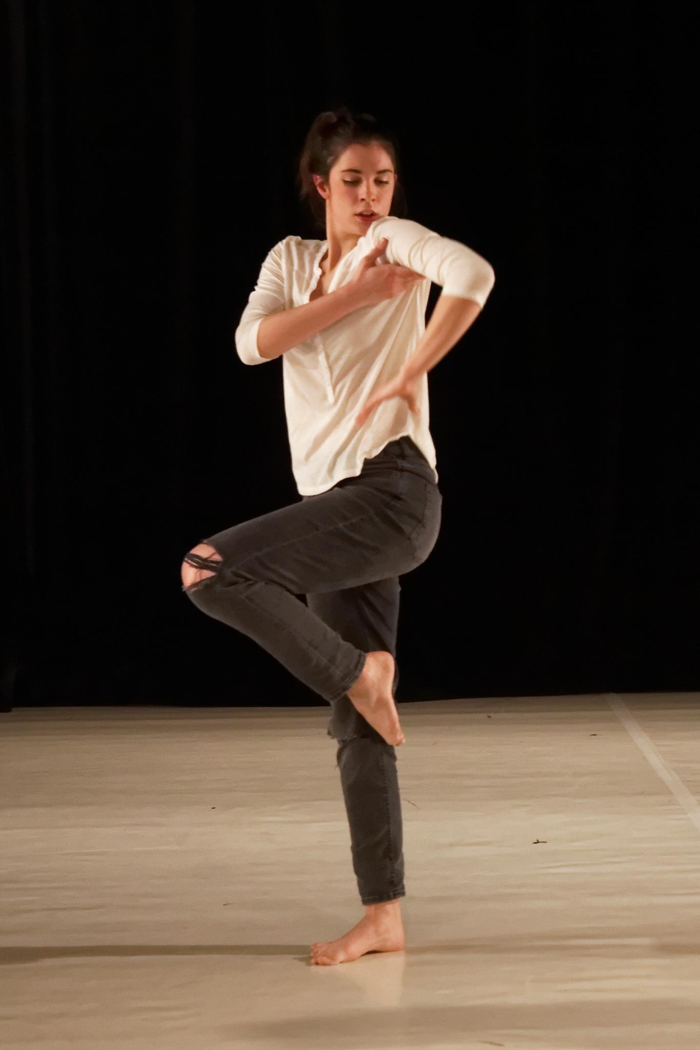 I can dance by mrobi55