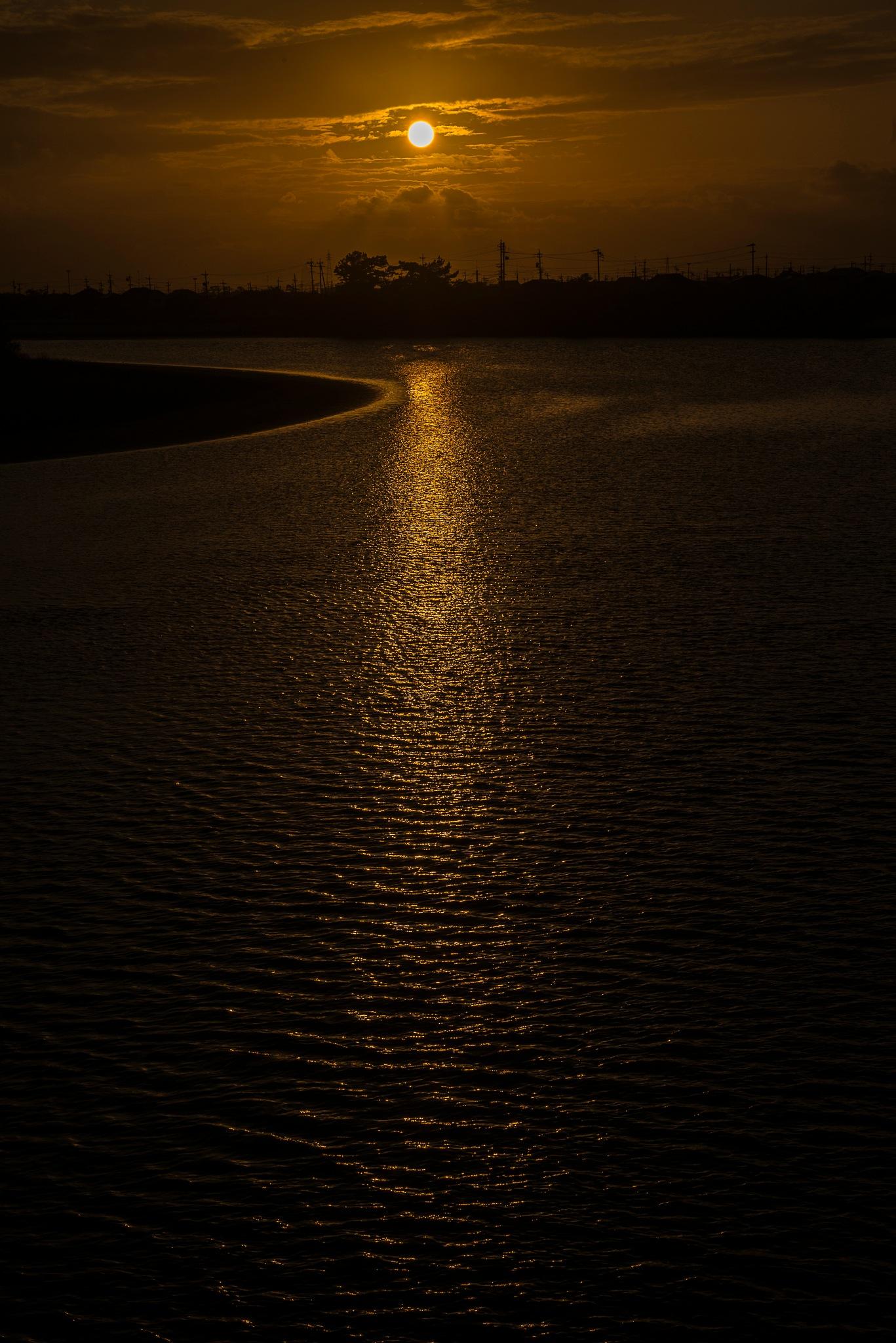 Sundown (Ota river) by 工藤 省三