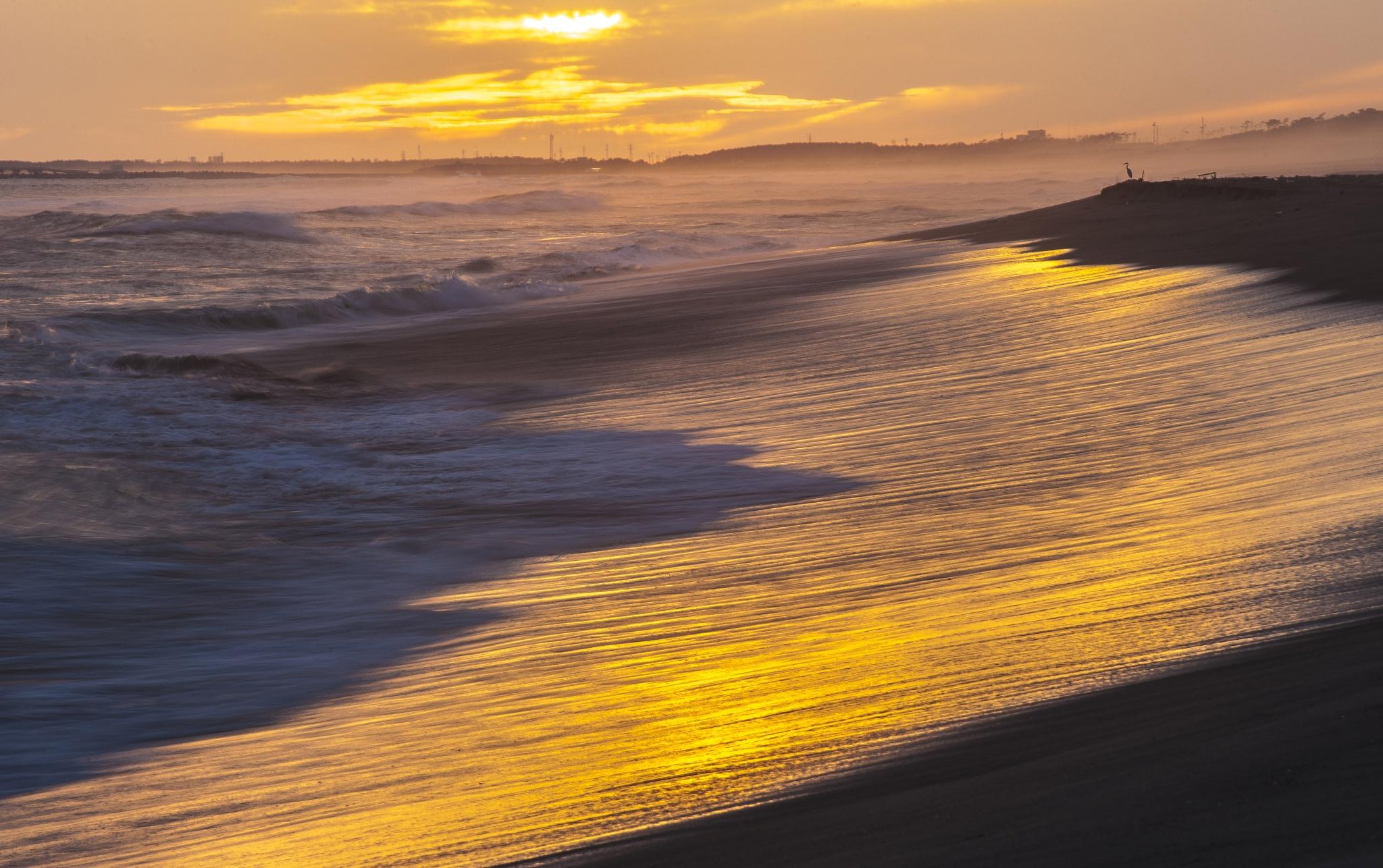 Sunset beach by Shozo kudo