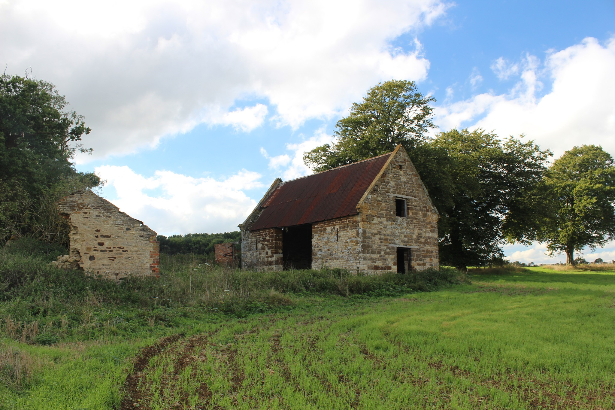 Old Barn (4) by Jon Brooke-Langham