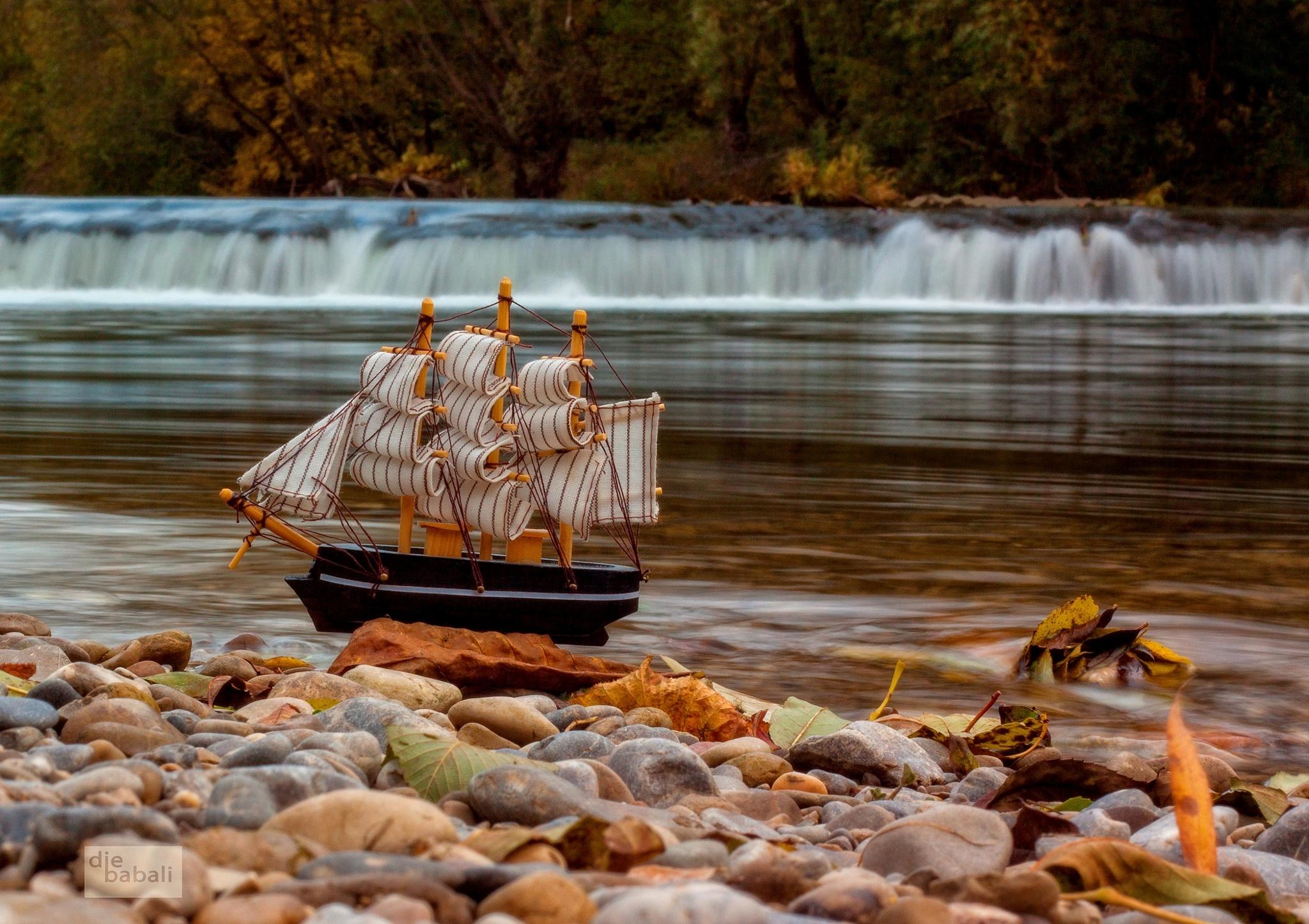 ship - autumn by Elke Gamsjäger