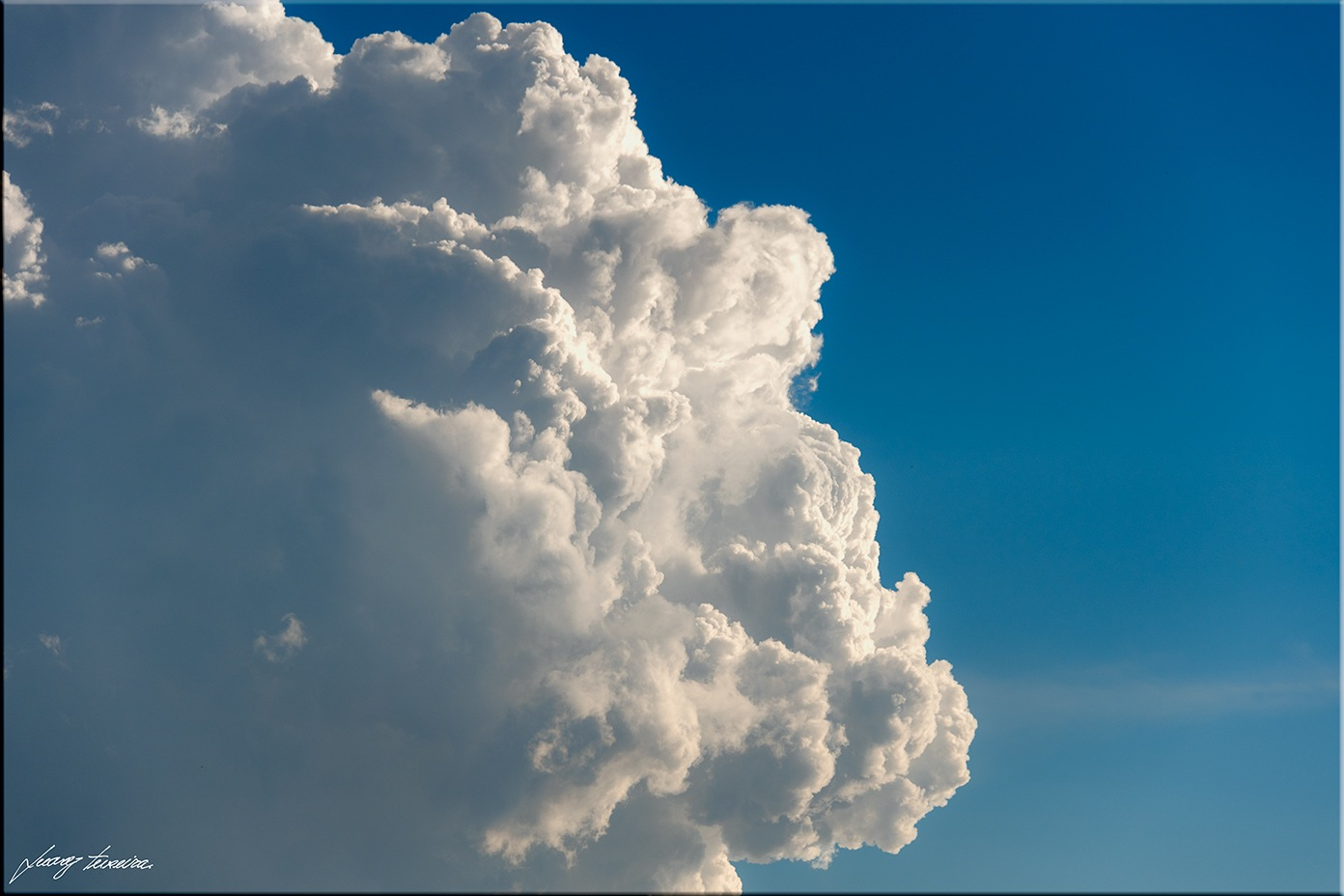Cotton cloud by Juarez Teixeira