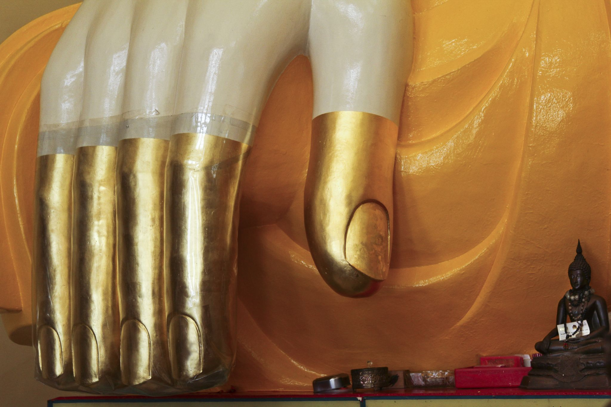 Golden Touch of Buddha by momtaxi711