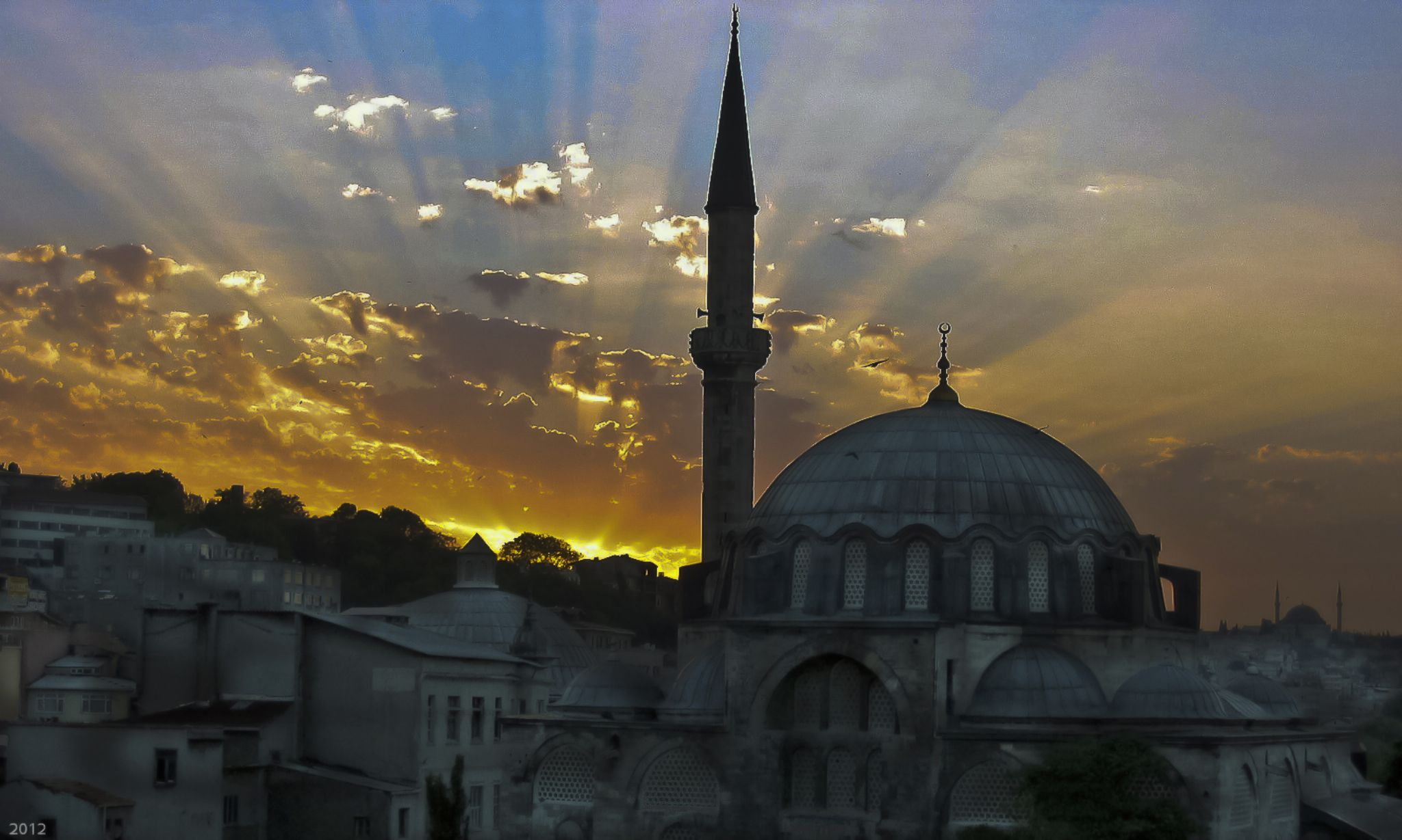 Istanbul Sunset by momtaxi711