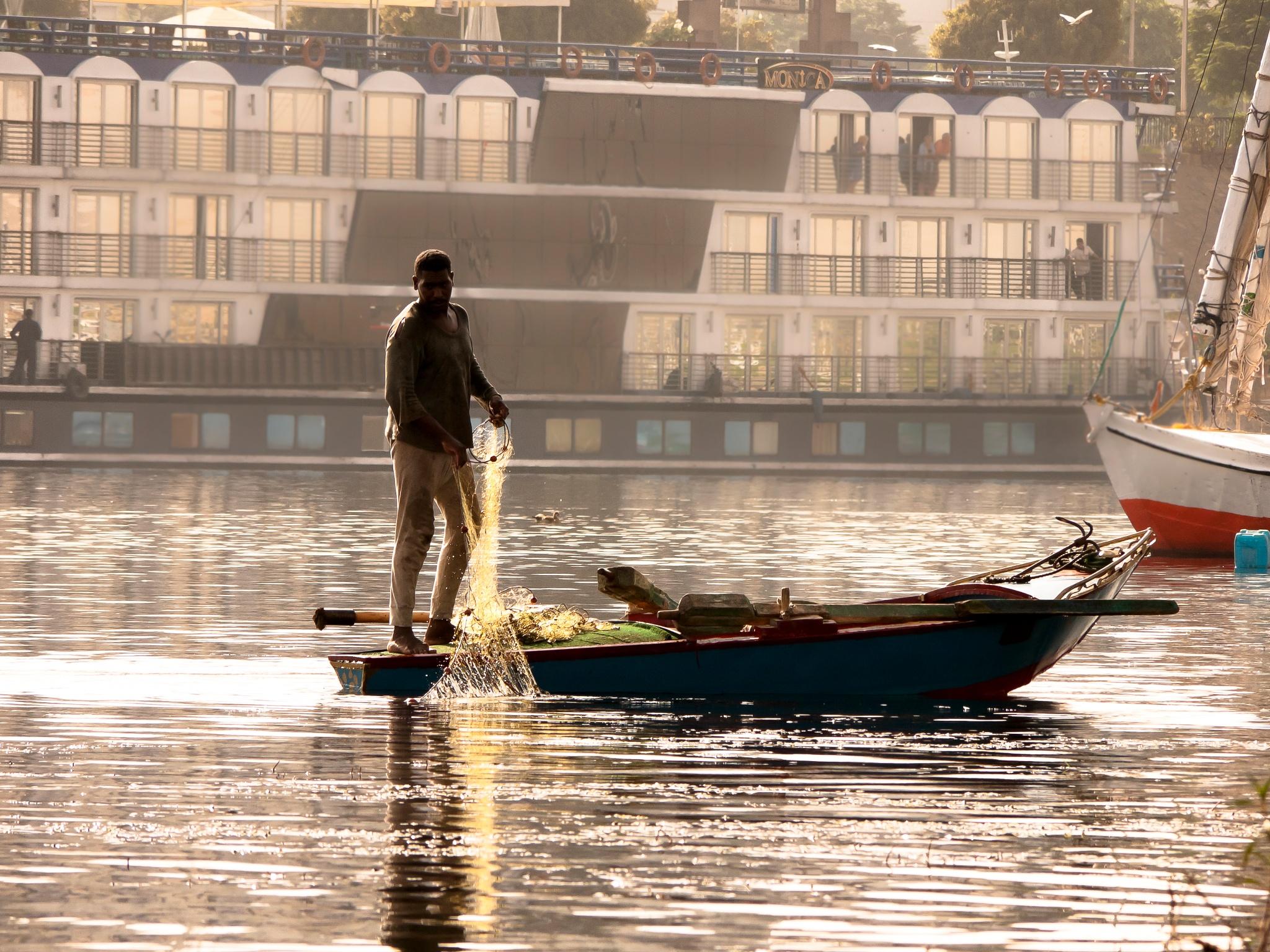 Pescador no rio Nilo by JoseSenna