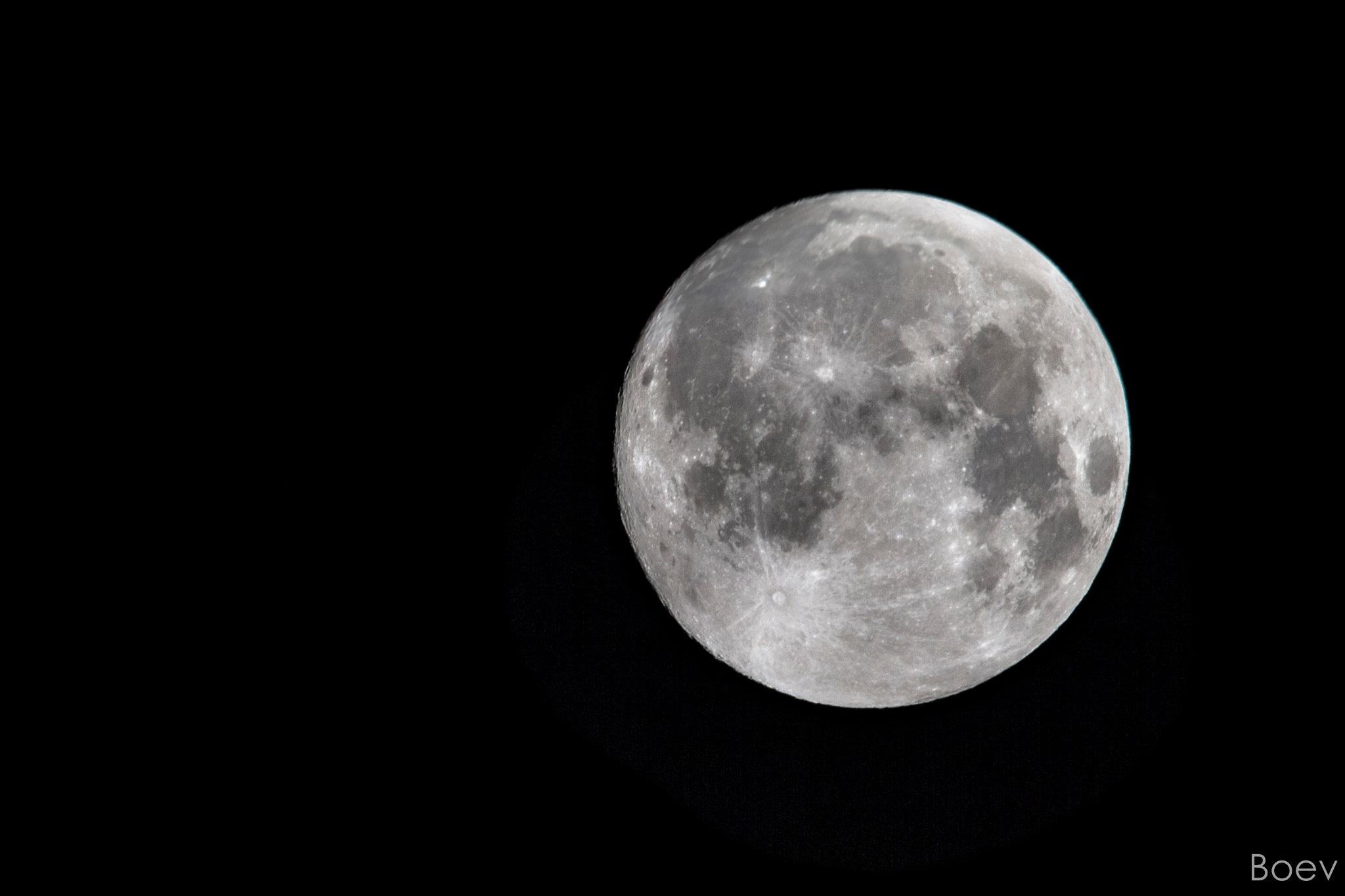 Full Moon by Gleb Boev
