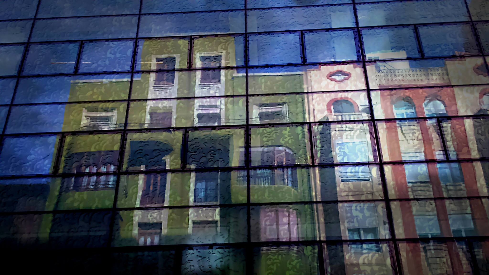 BUILDING REFLECTION  by vallesedu