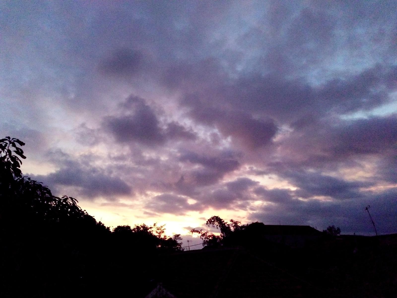 sunset by Tomy Hadi Priatna