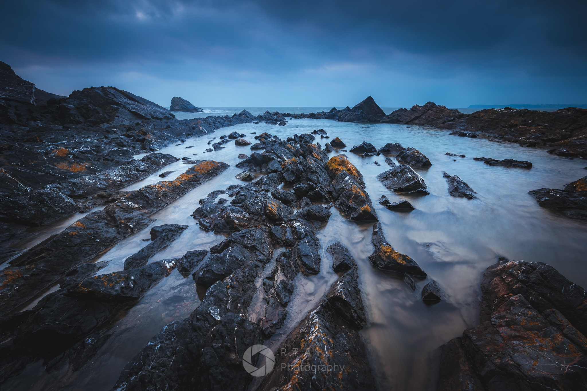 Rock Pool by RTA Photography (Ray Abrahams)