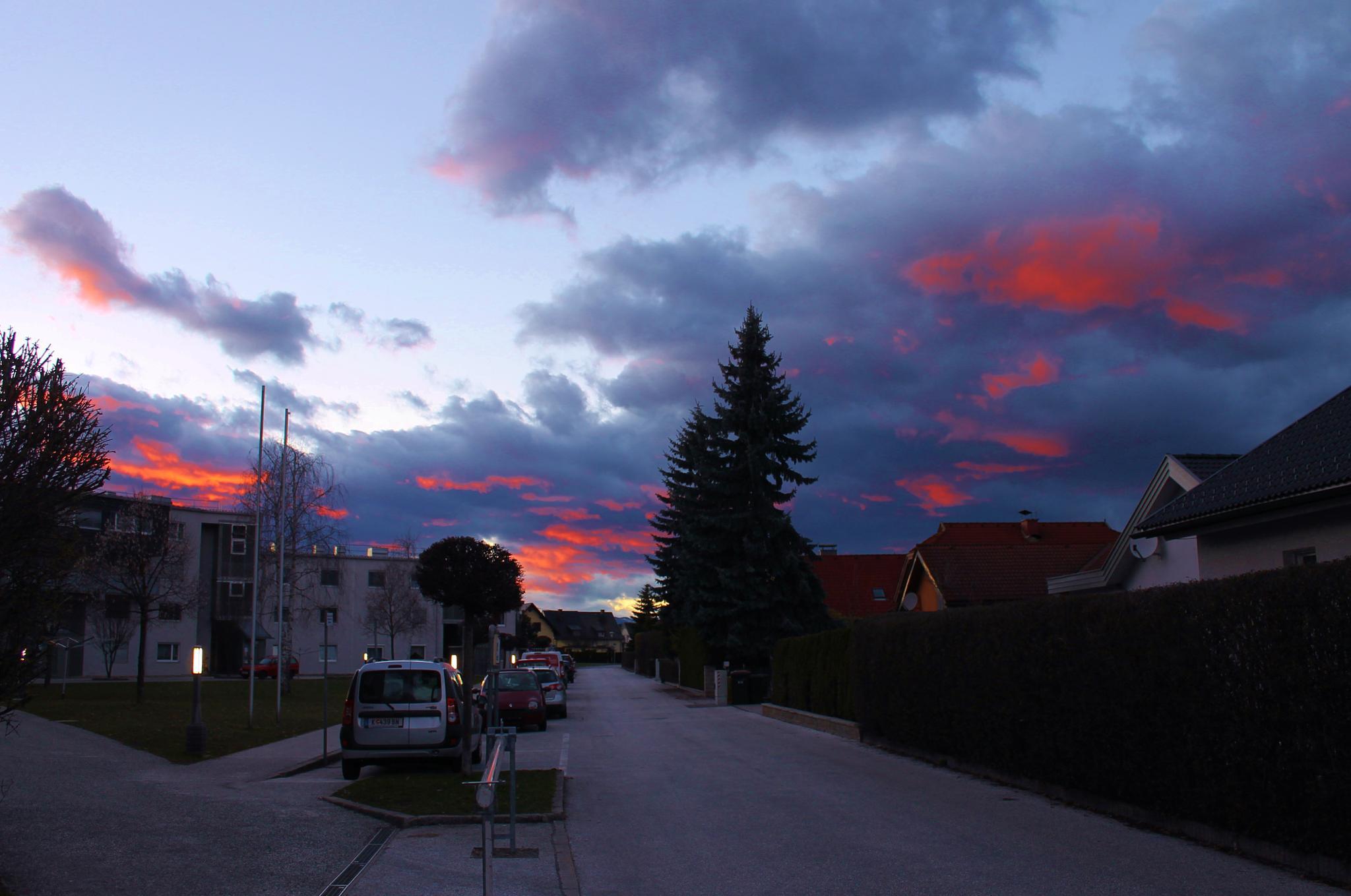 Tramonto in città by meiferdinando
